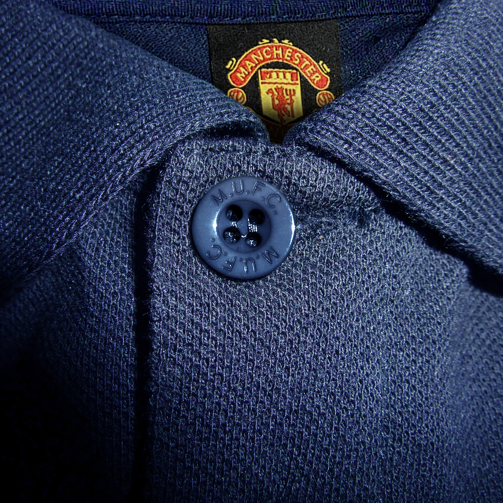Manchester-United-FC-Official-Football-Gift-Mens-Crest-Polo-Shirt