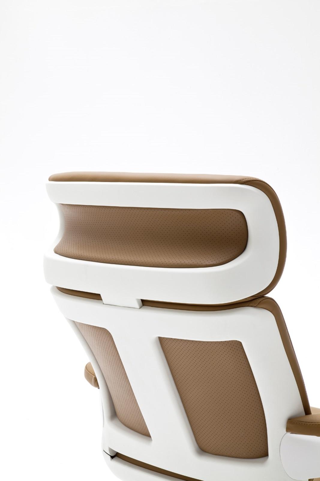 relax sessel favorite mit hocker rindsleder relaxsessel. Black Bedroom Furniture Sets. Home Design Ideas