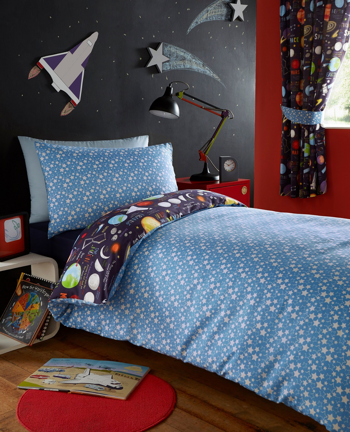Planets space ship rocket solar system reversible duvet for Spaceship quilt