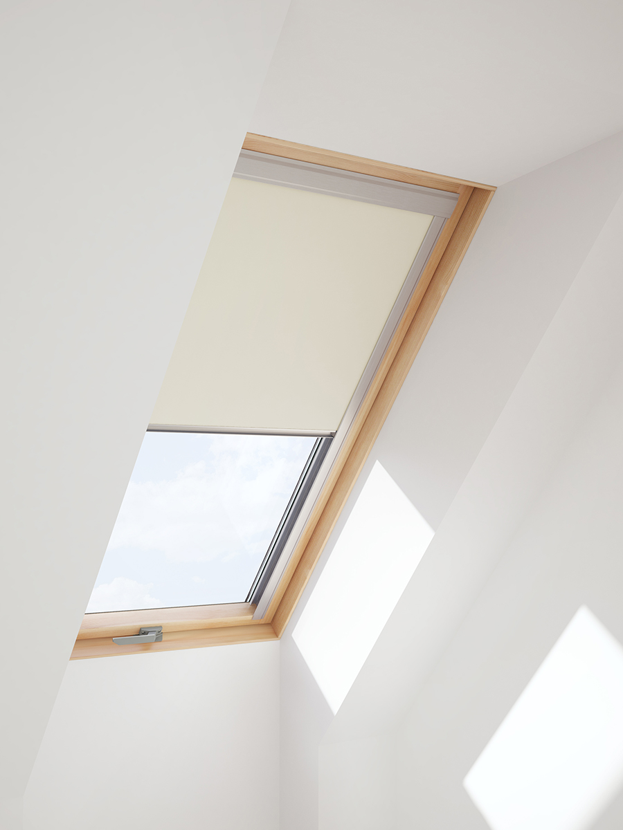 Itzala blackout blind for velux quality roof window roller for Velux window shades
