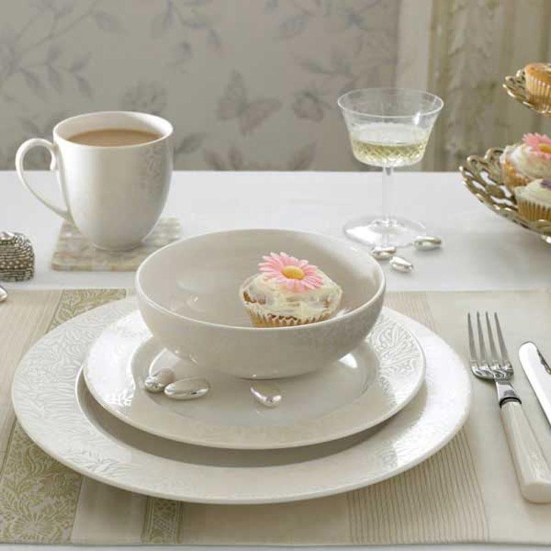 denby pottery monsoon lucille gold 16 piece dinner set ebay. Black Bedroom Furniture Sets. Home Design Ideas