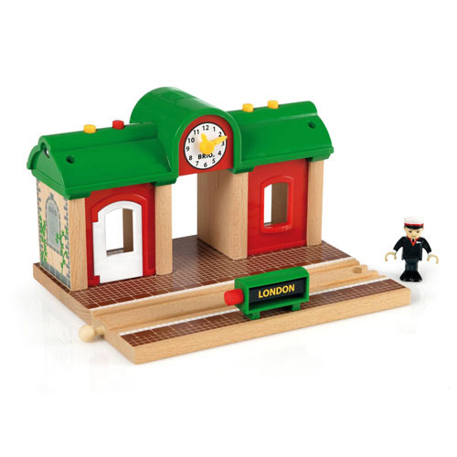 brio wooden railway train set track accessories stations. Black Bedroom Furniture Sets. Home Design Ideas