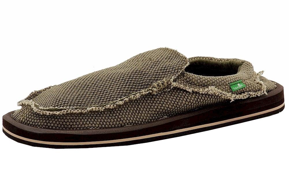 2ab55da60e532 Sanuk Men s Chiba Slip-On Sidewalk Surfers Loafers Shoes