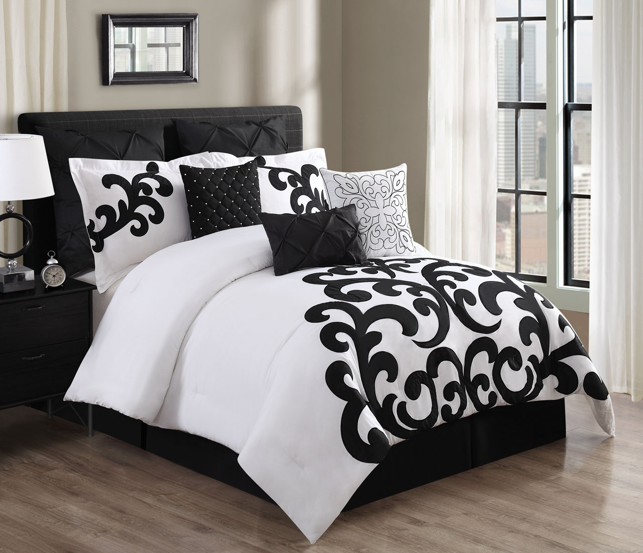 9 Piece Empress 100% Cotton Black/White Comforter Set