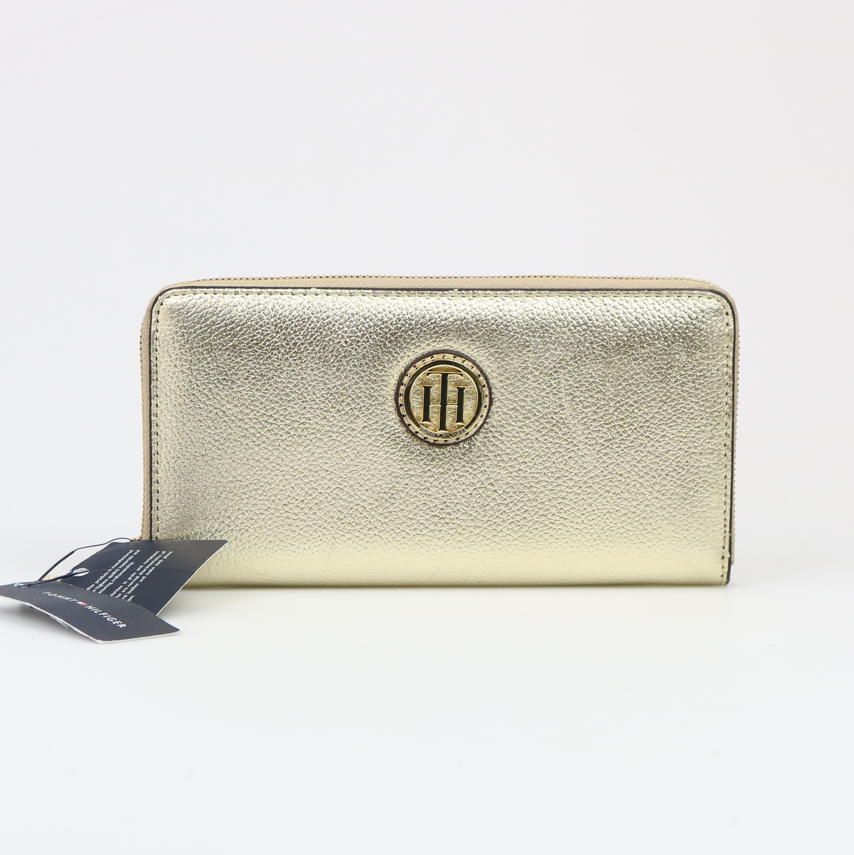 fba834be10ce Image is loading Tommy-Hilfiger-Signature-Large-Zip-Around-Gold-Wallet