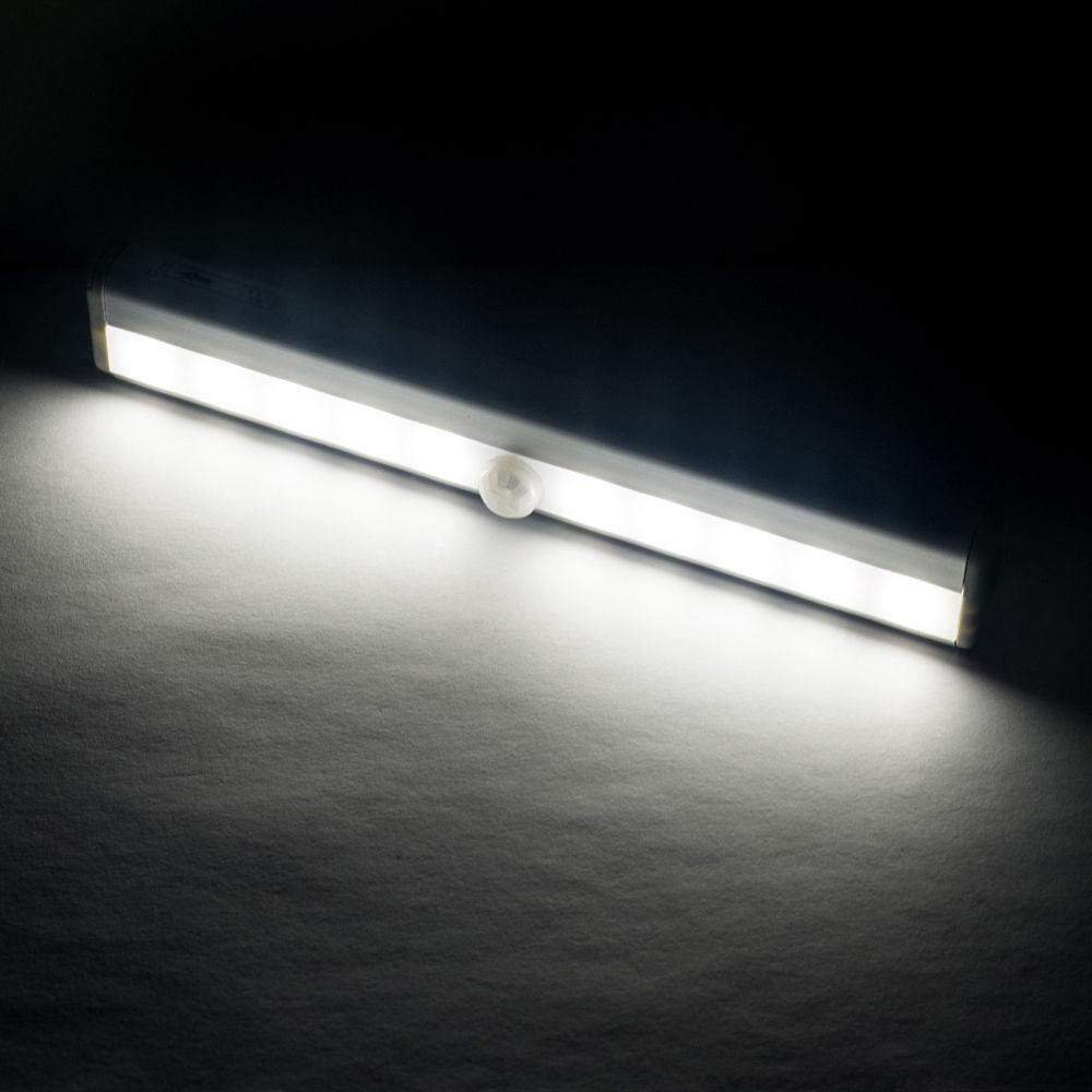 LED Lichtleiste mit Bewegungsmelder 4x AAA Batterie Kaltweiß Schrank ...