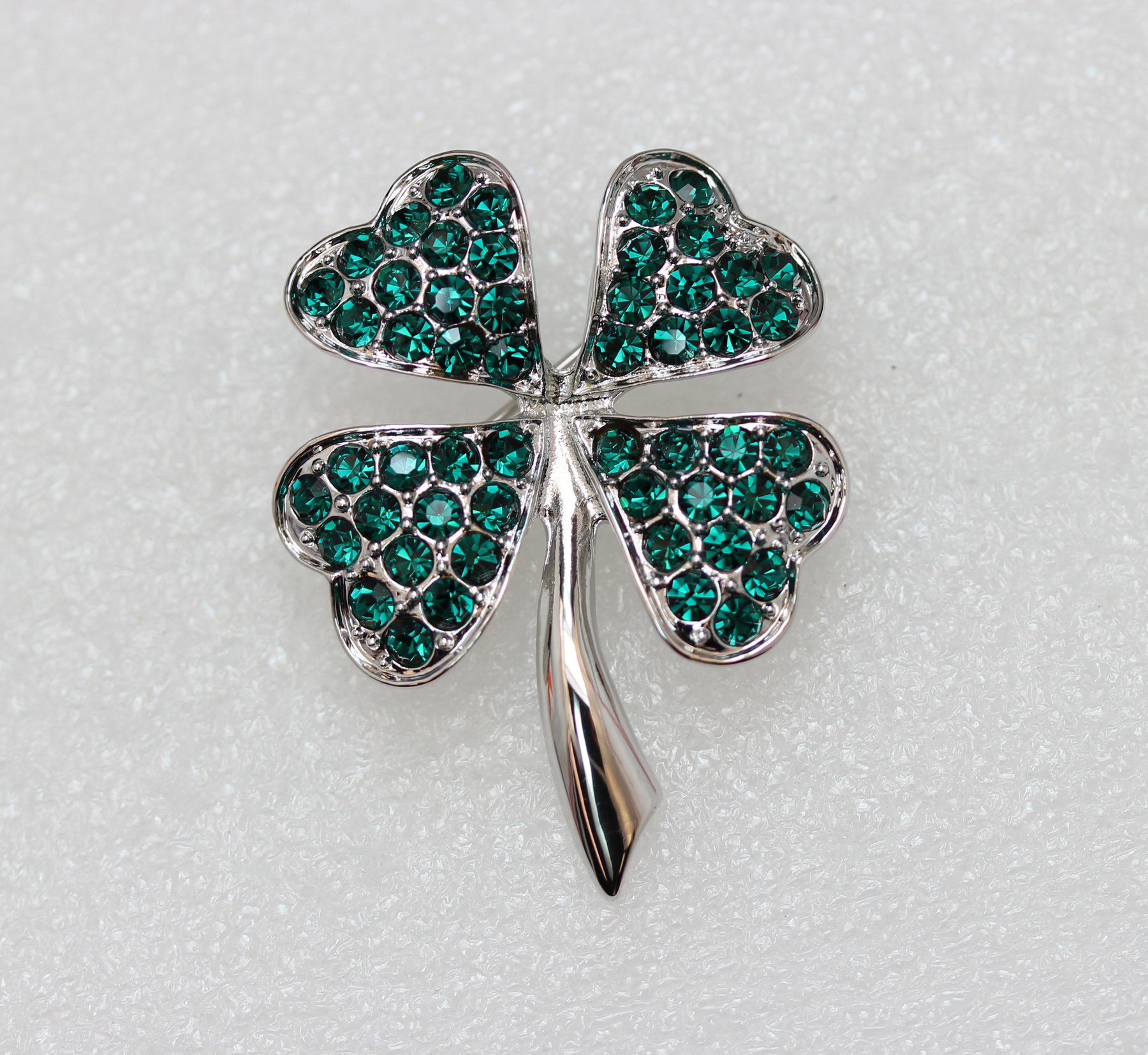 Emerald-Color-Green-Crystal-Shamrock-Clover-Leaf-Pin-Brooch-St-Patricks-Day thumbnail 18