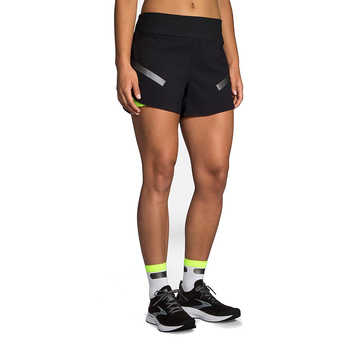 "Women's Brooks Run Visible Carbonite 4"" 2-In-1 Short  - Color: Black - Size: L, Black, large, image 1"