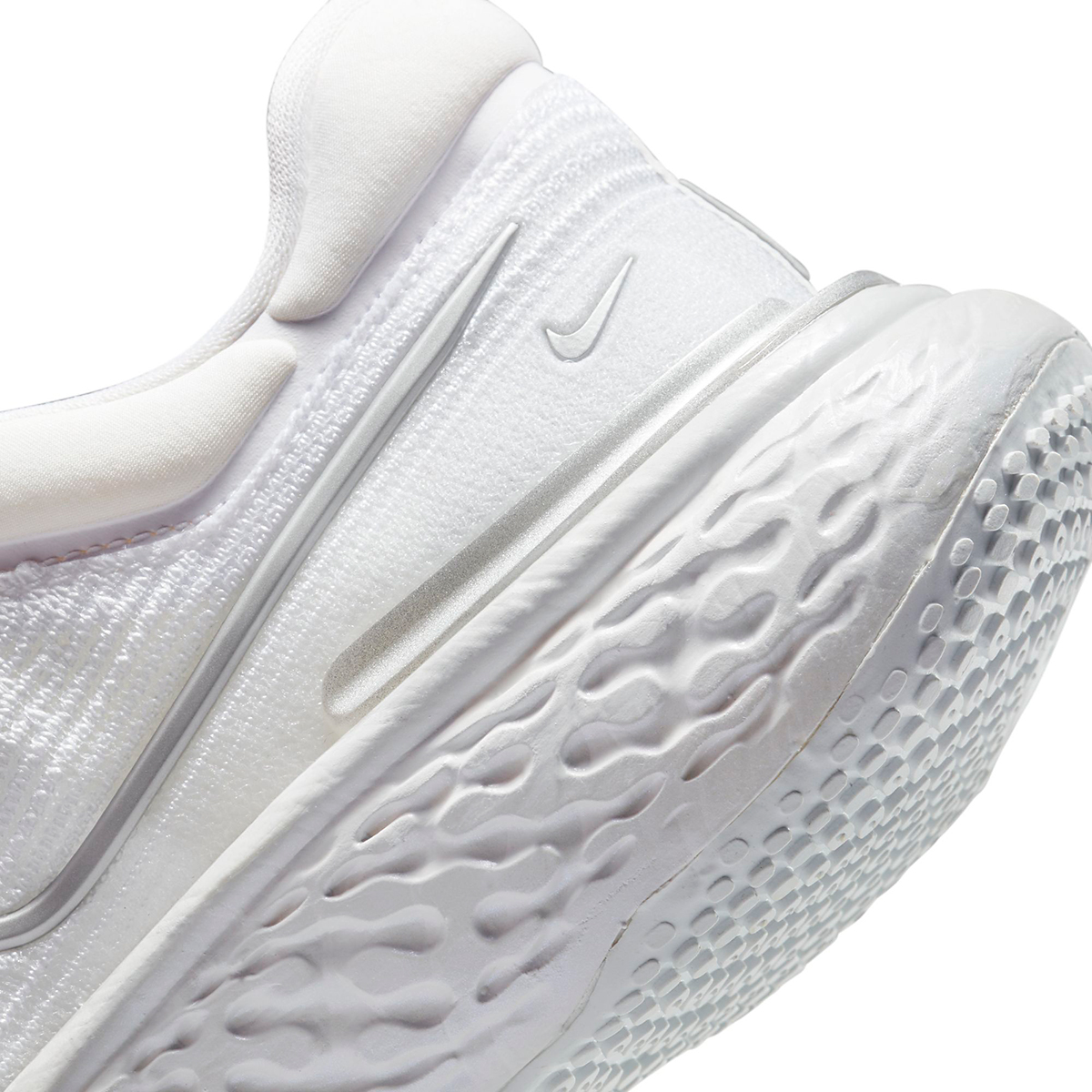 Women's Nike ZoomX Invincible Run Flyknit - Color: White/Metallic Silver/Pure Platinum - Size: 5 - Width: Regular, White/Metallic Silver/Pure Platinum, large, image 6