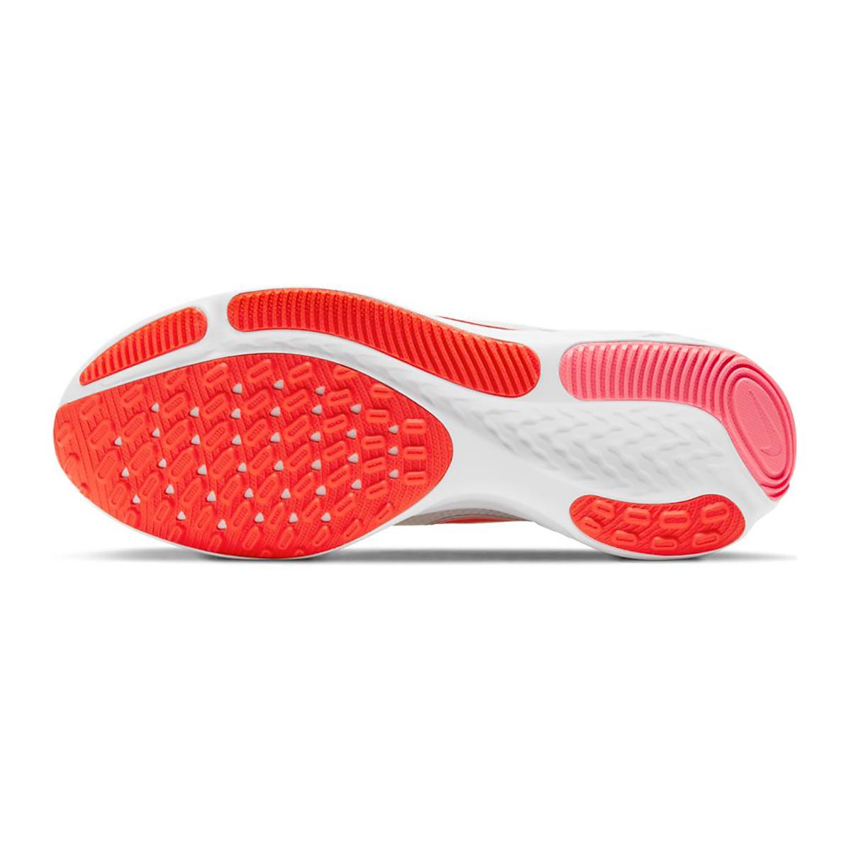 Women's Nike React Miler Running Shoe - Color: Platinum Tint/Bright Chrimson - Size: 5 - Width: Regular, Platinum Tint/Bright Chrimson, large, image 3