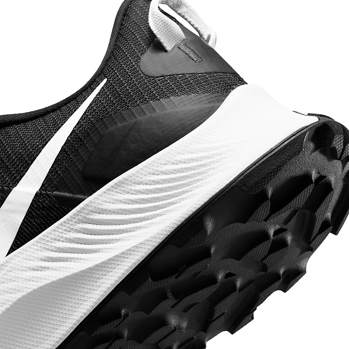Men's Nike Pegasus Trail 3 Trail Running Shoe  - Color: Black/Pure Platinum/Dark Smoke Grey  - Size: 6 - Width: Regular, Black/Pure Platinum/Dark Smoke Grey, large, image 6