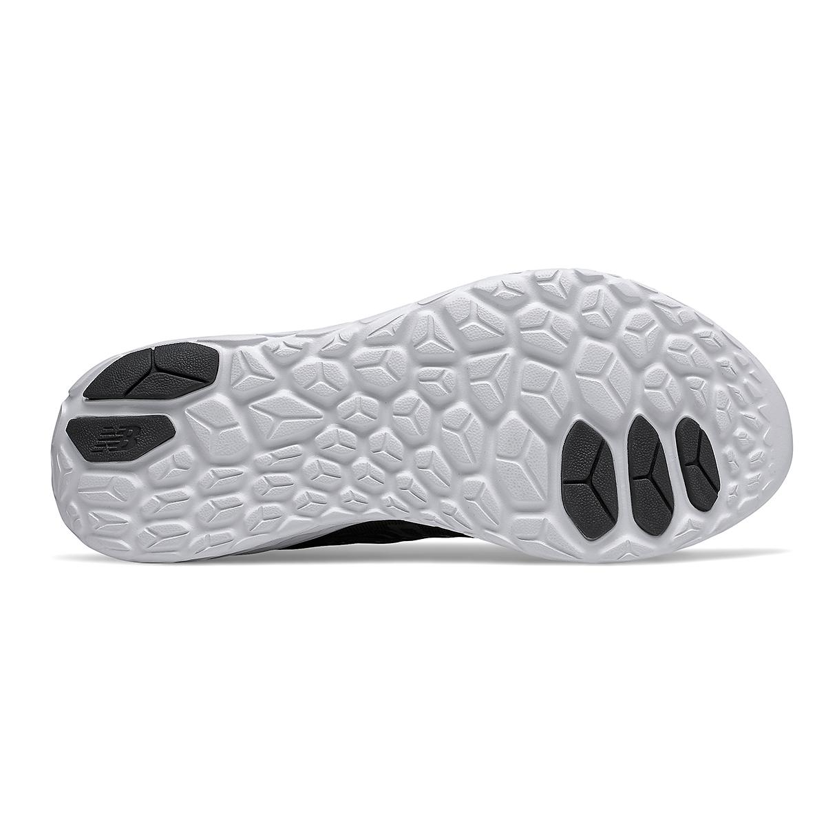 Men's New Balance Beacon V3 Running Shoe - Color: Black - Size: 8 - Width: Regular, Black, large, image 3