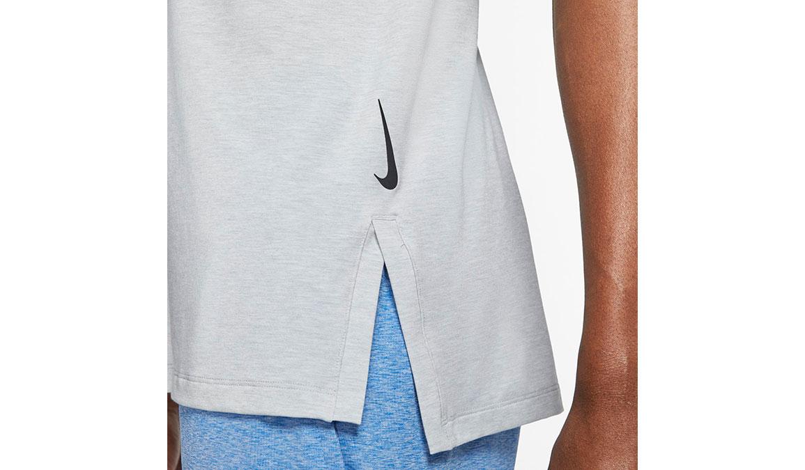 Men's Nike Dri-FIT Yoga Short Sleeve Top - Color: Light Smoke Grey/Heather Size: S, Light Smoke Grey/Heather, large, image 3