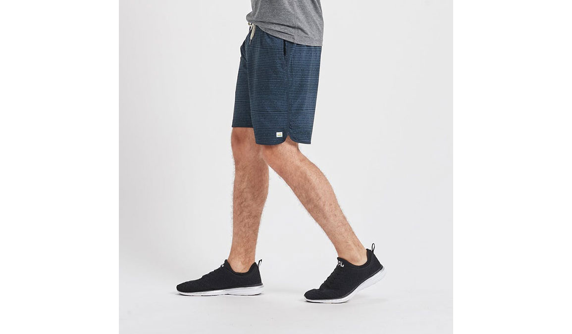 """Men's Vuori Banks 8"""" Short - Color: Ink Cell Texture Size: S, Ink Cell Texture, large, image 2"""