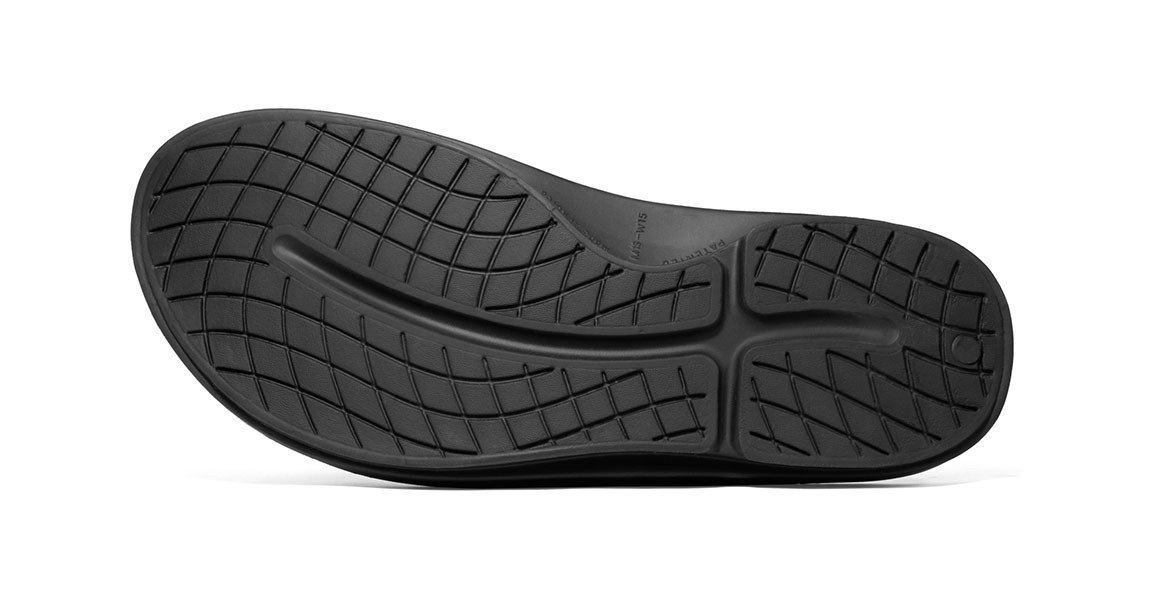 Oofos OOahh Sport Slide Recovery Sandal - Color: Black/White (Regular Width) - Size: M5/W7, Black/White, large, image 4