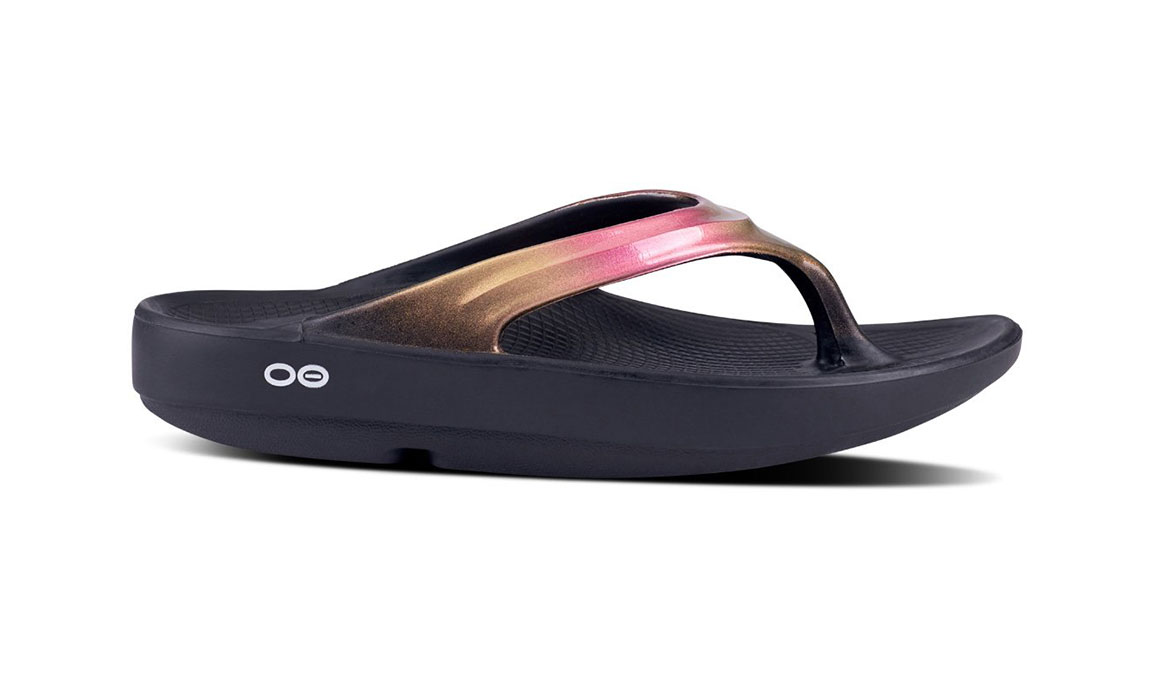 Women's Oofos OOlala Luxe Recovery Sandal - Color: Black/Rose Gold - Size: 9, Rose Gold, large, image 2