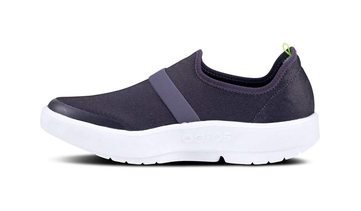 Women's Oofos OOmg Fibre Recovery Shoe - Color: White/Purple - Size: 5 - Width: Regular, White/Purple, large, image 3