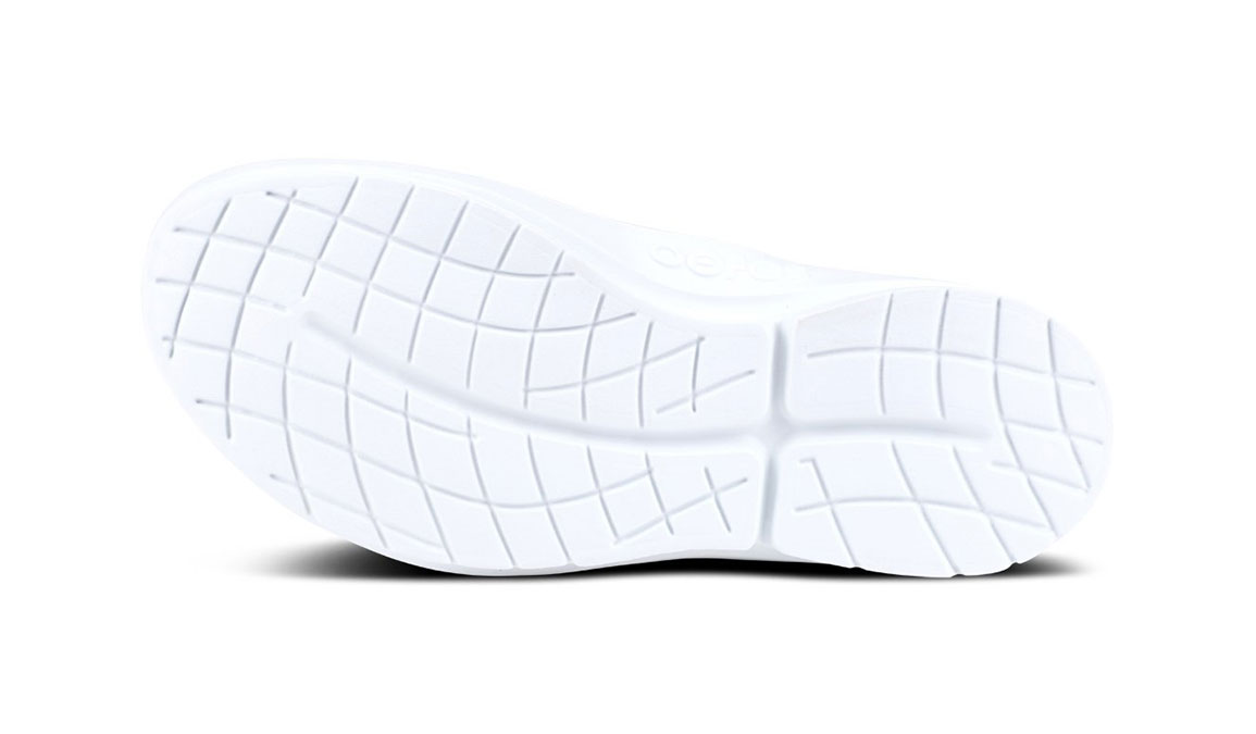 Women's Oofos OOmg Slip-On Recovery Shoe - Color: Grey/White (Regular Width) - Size: 6, Grey/White, large, image 4