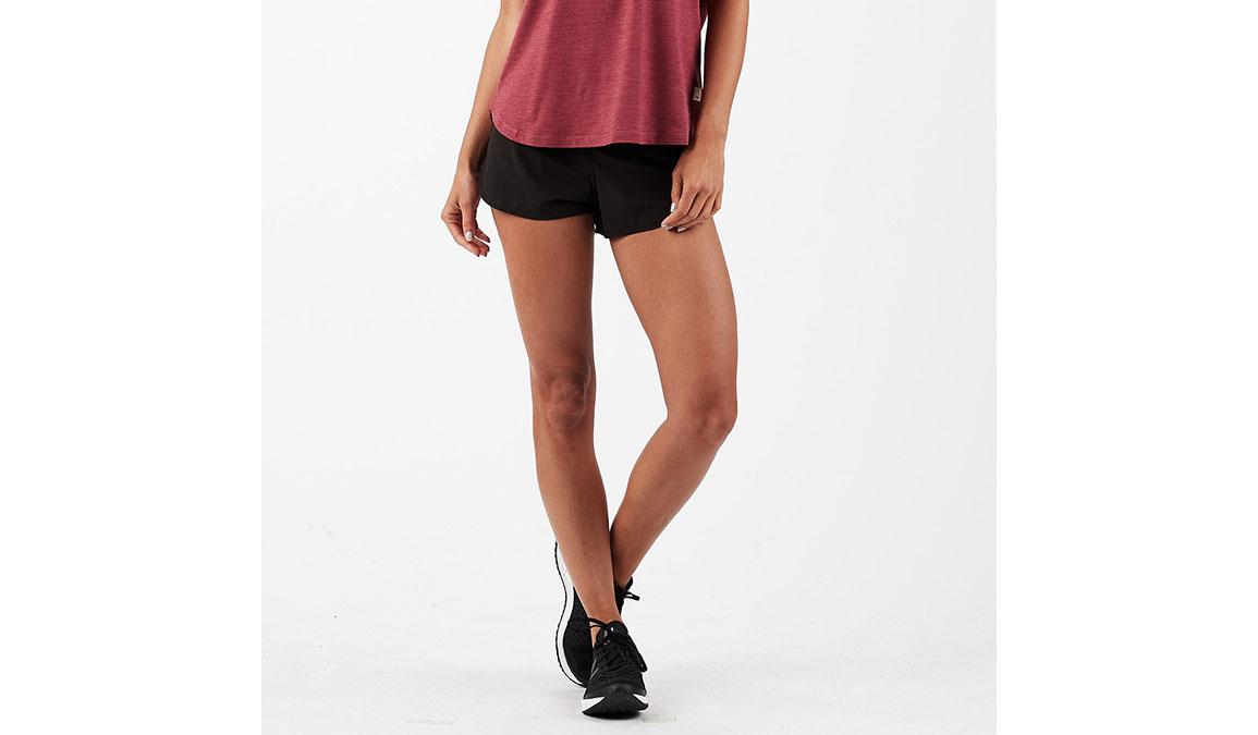 """Women's Vuori Omni 2.5"""" Shorts - Color: Black Size: XS, Black, large, image 1"""
