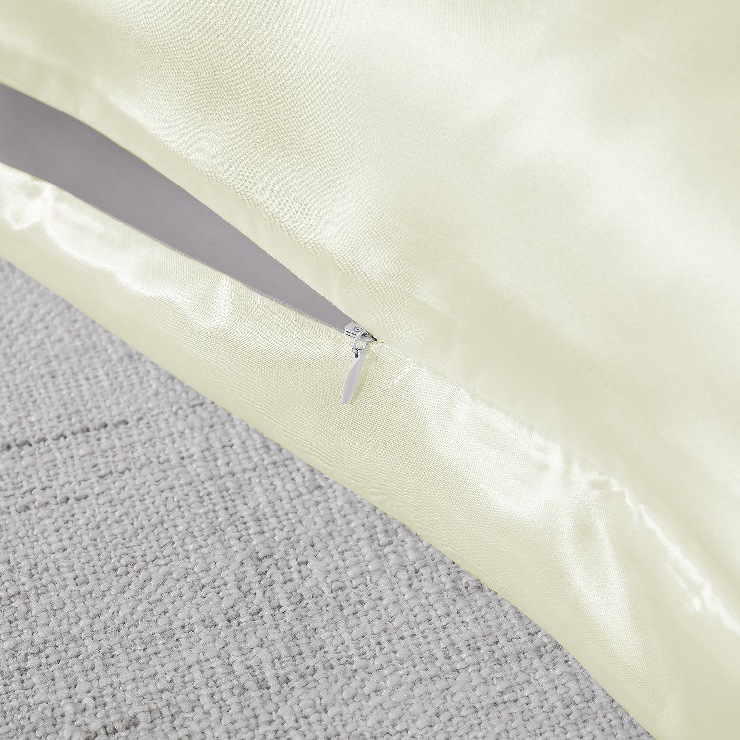 Royal-Comfort-Mulberry-Soft-Silk-Hypoallergenic-Pillowcase-Twin-Pack-51-x-76cm thumbnail 24