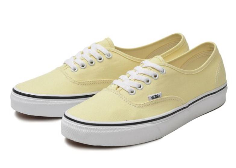 4e55e91b6f28f5 Vans Men s UA Authentic Sneakers