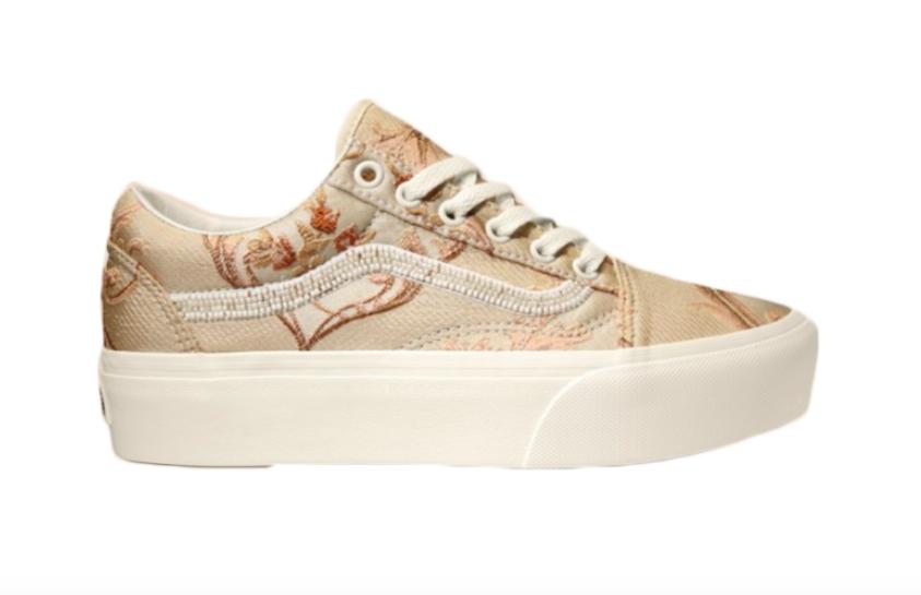 b66cca9f9e7 Vans Women s Daring Damsels Old Skool Platform Sneakers
