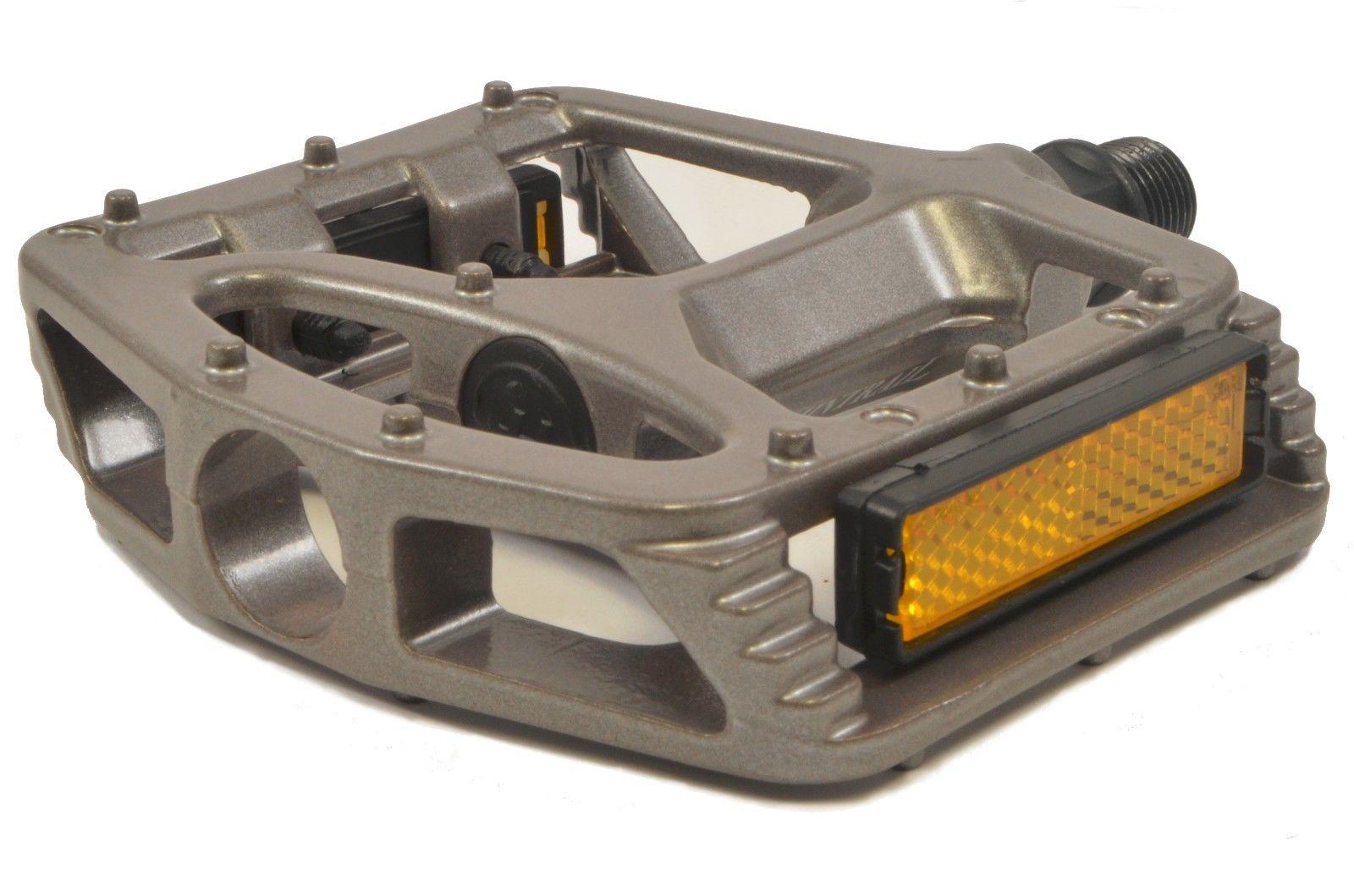 Lumintrail-Big-Foot-Bike-Pedals-Road-MTB-BMX-Aluminum-Alloy-Flat-Platform-9-16-034 thumbnail 13