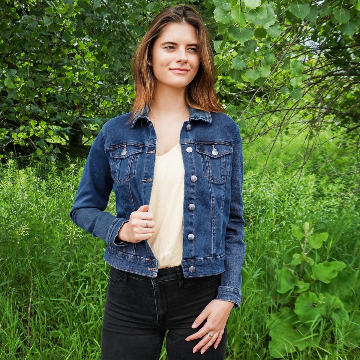 Calvin-Klein-Women-039-s-Denim-Trucker-Jacket thumbnail 7