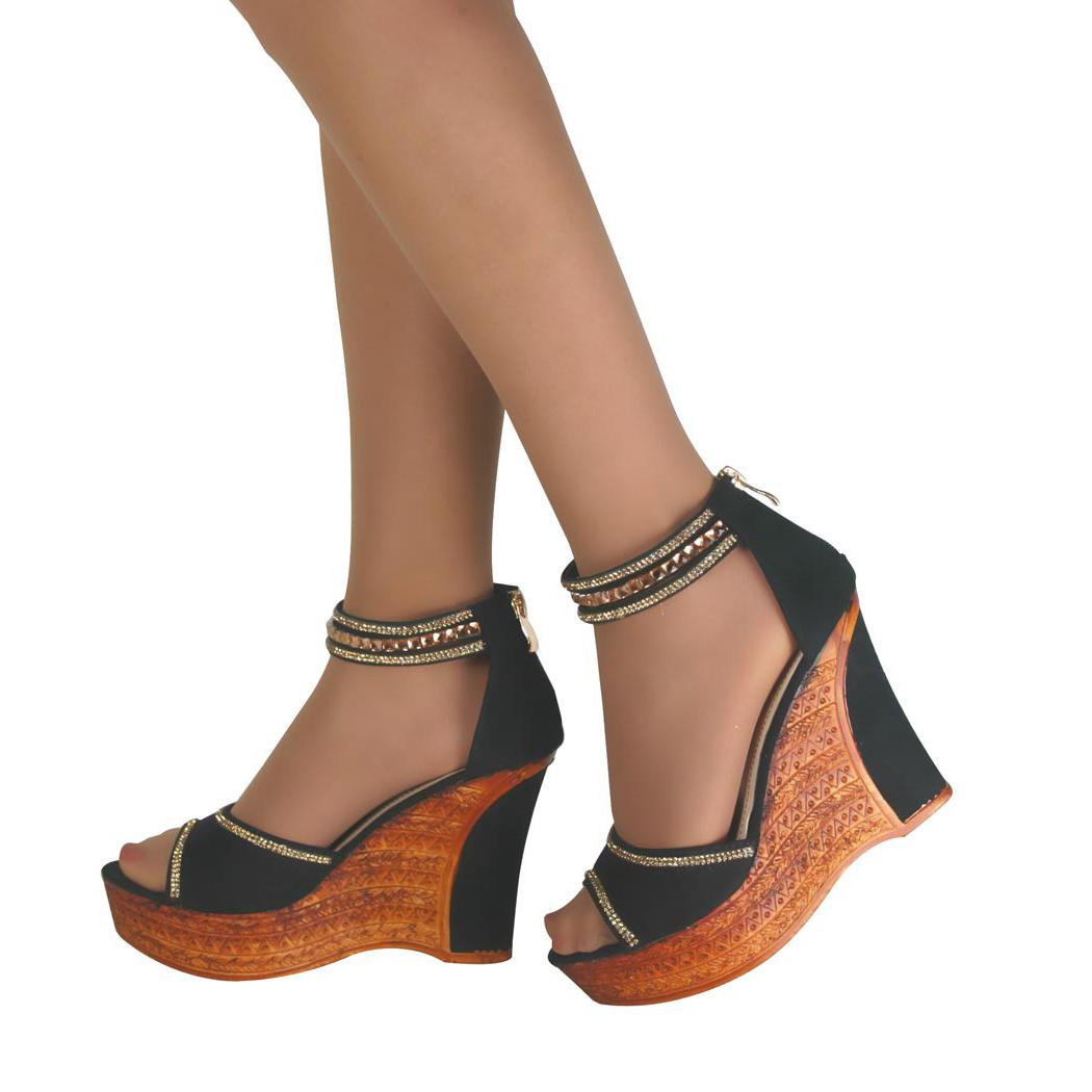 Ankle Strap Cuban Heeled Shoes Description