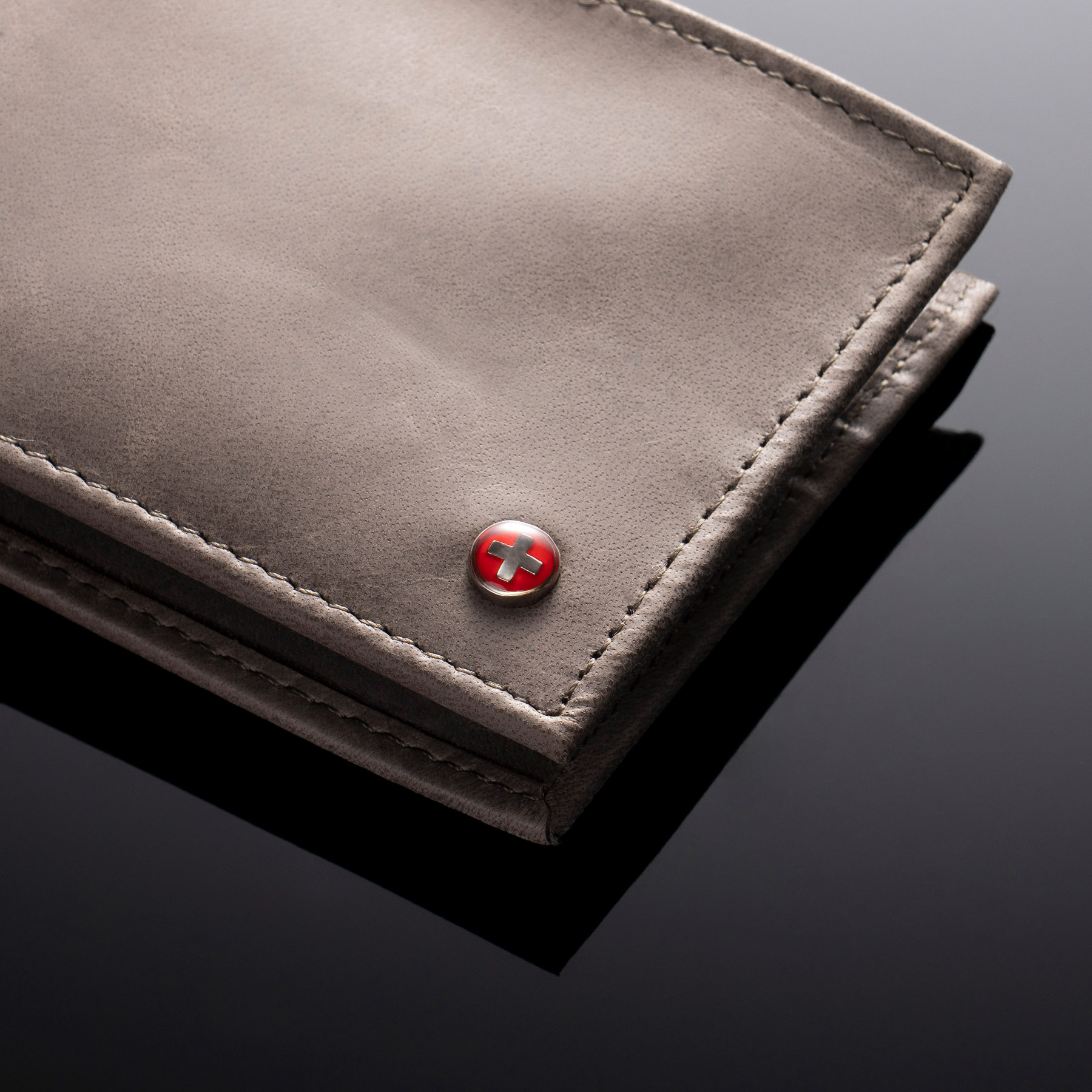 Alpine-Swiss-Mens-Leather-Wallet-Multi-Card-Flip-ID-High-Capacity-Compact-Bifold thumbnail 46