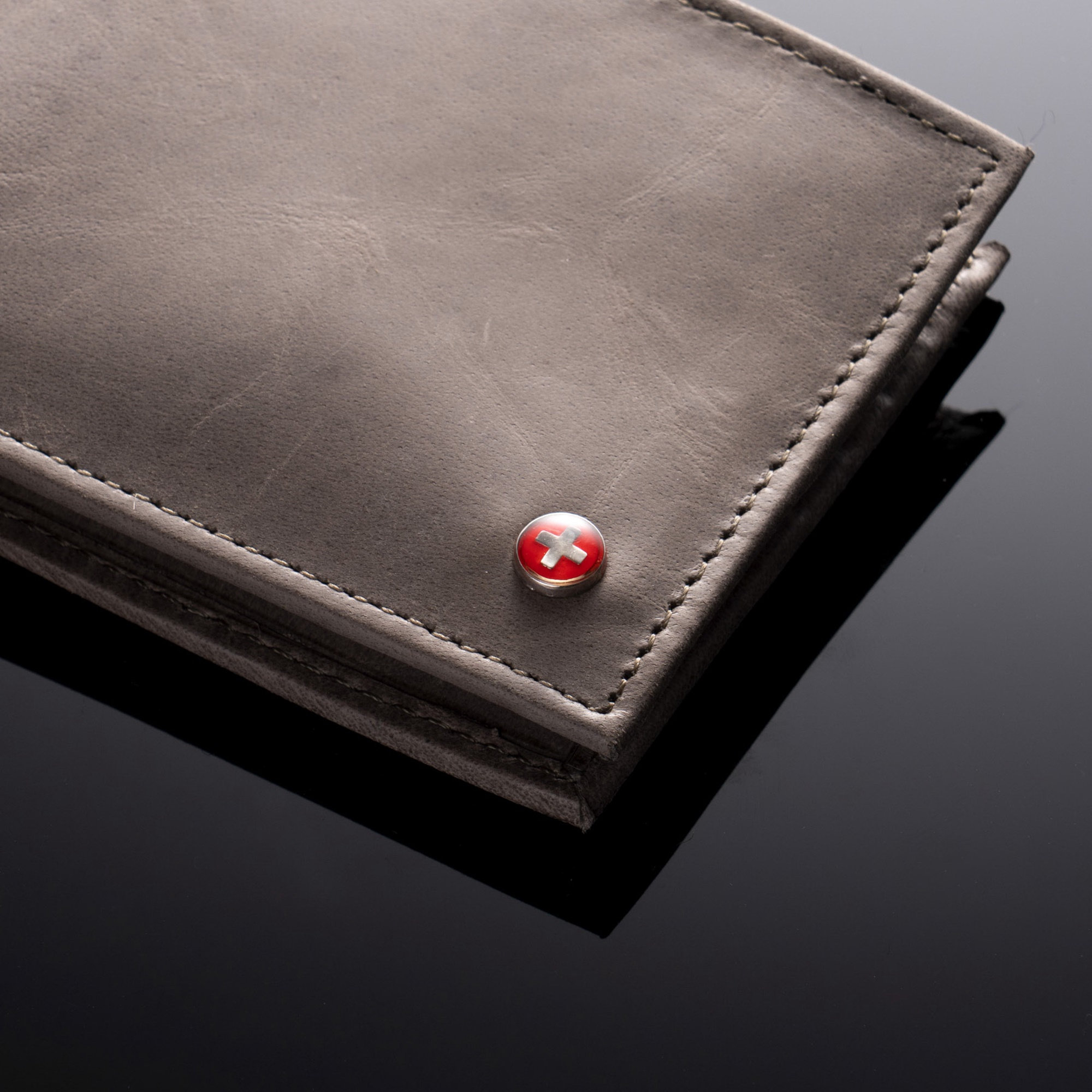 Alpine-Swiss-Mens-Wallet-Genuine-Leather-Removable-ID-Card-Case-Bifold-Passcase thumbnail 102