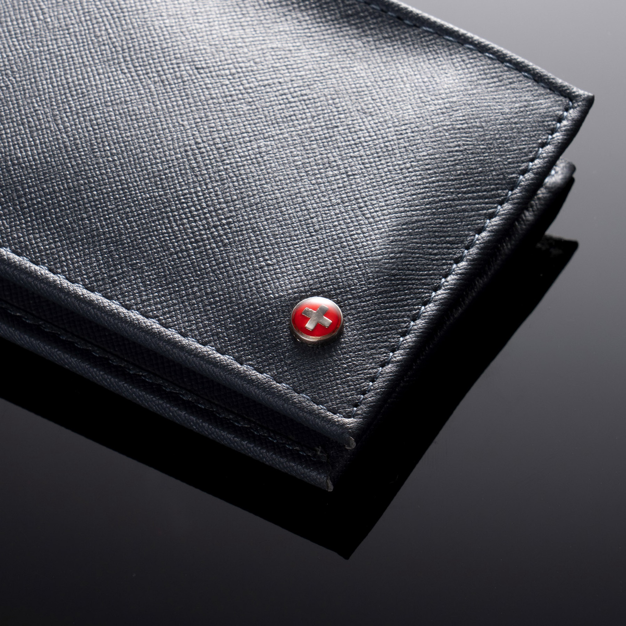 Alpine-Swiss-Mens-Wallet-Genuine-Leather-Removable-ID-Card-Case-Bifold-Passcase thumbnail 81