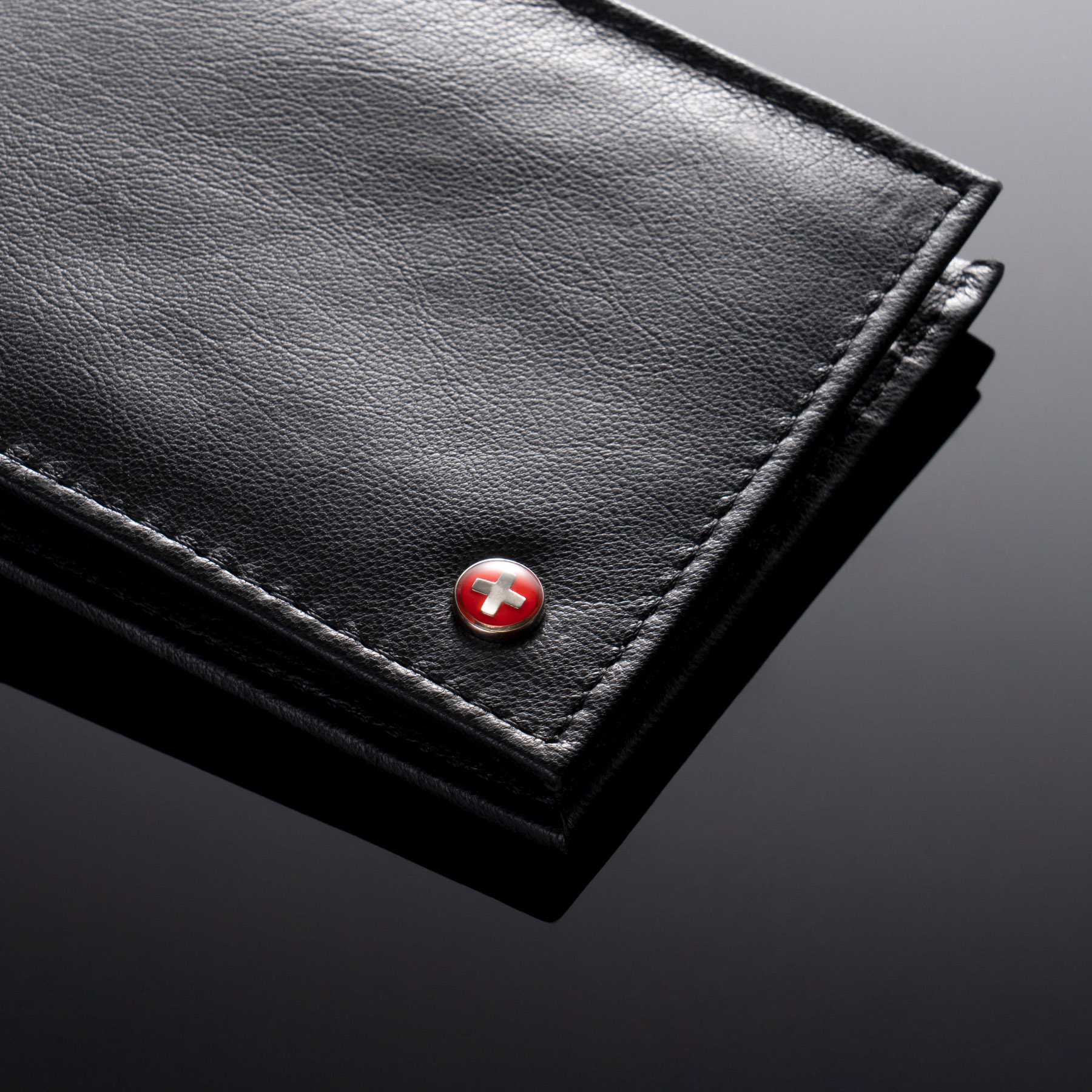Alpine-Swiss-Mens-Leather-Wallet-Multi-Card-Flip-ID-High-Capacity-Compact-Bifold thumbnail 16