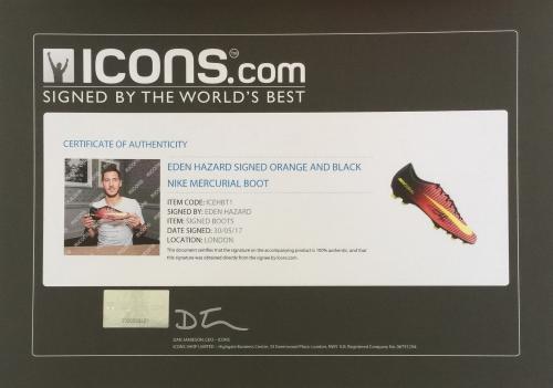 Descrizione. In primo piano è che un Eden Hazard firmato Nike Mercurial  tacchetta di calcio. 6c7fecefafa2