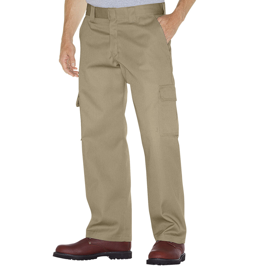Major retailers that sell Dickies clothing include Kmart, Sears, Target and Walmart. These national retailers sell Dickies clothing in stores and online. JC Penney and Amazon also sell Dickies clothing. Several other retailers that sell Dickies clothing are listed on the company's website.