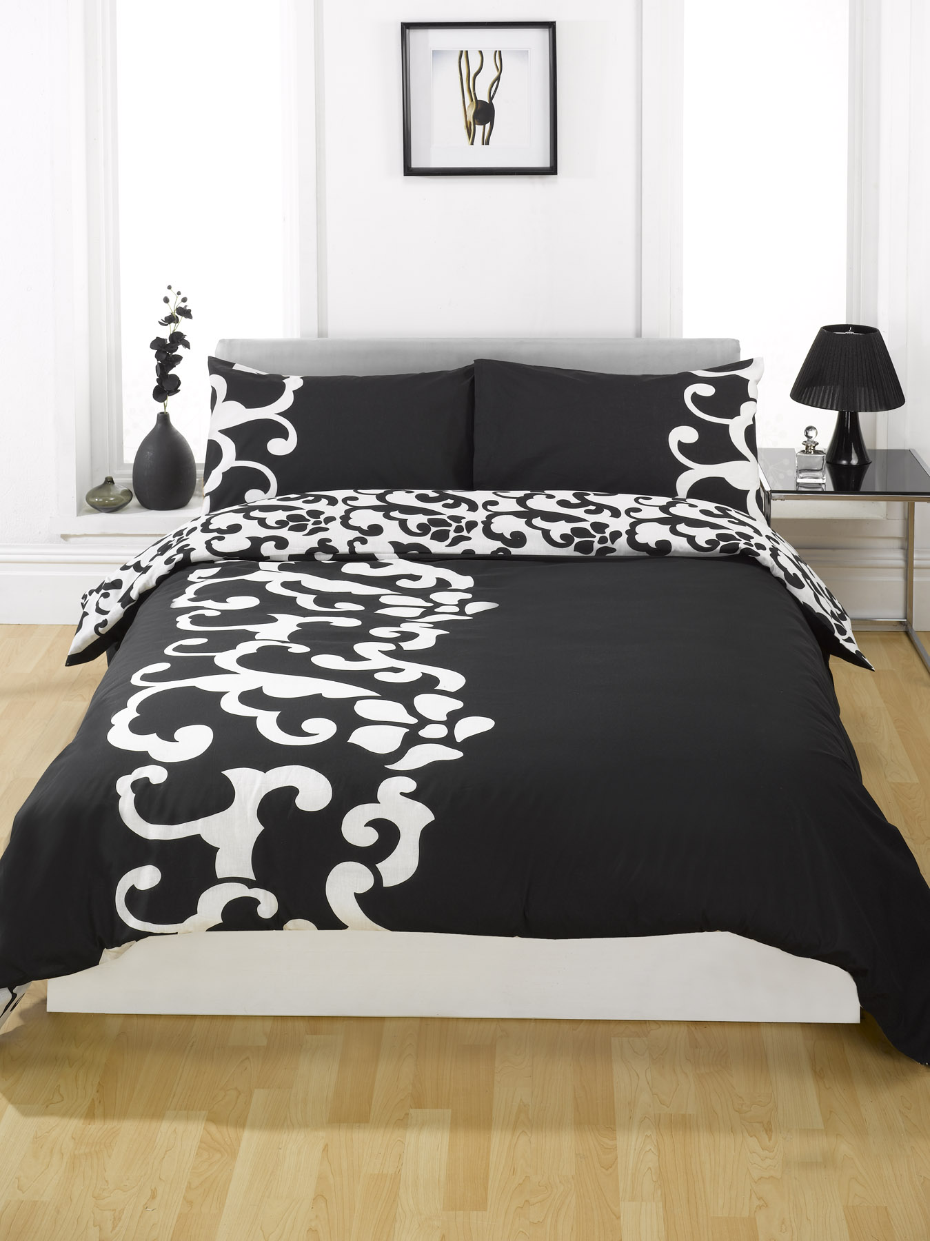 Add elegance and glamour to your bedroom with exceptionally glamourous modern style bed set. % polyester. Double, king and super king size: include 2 pillowcases.
