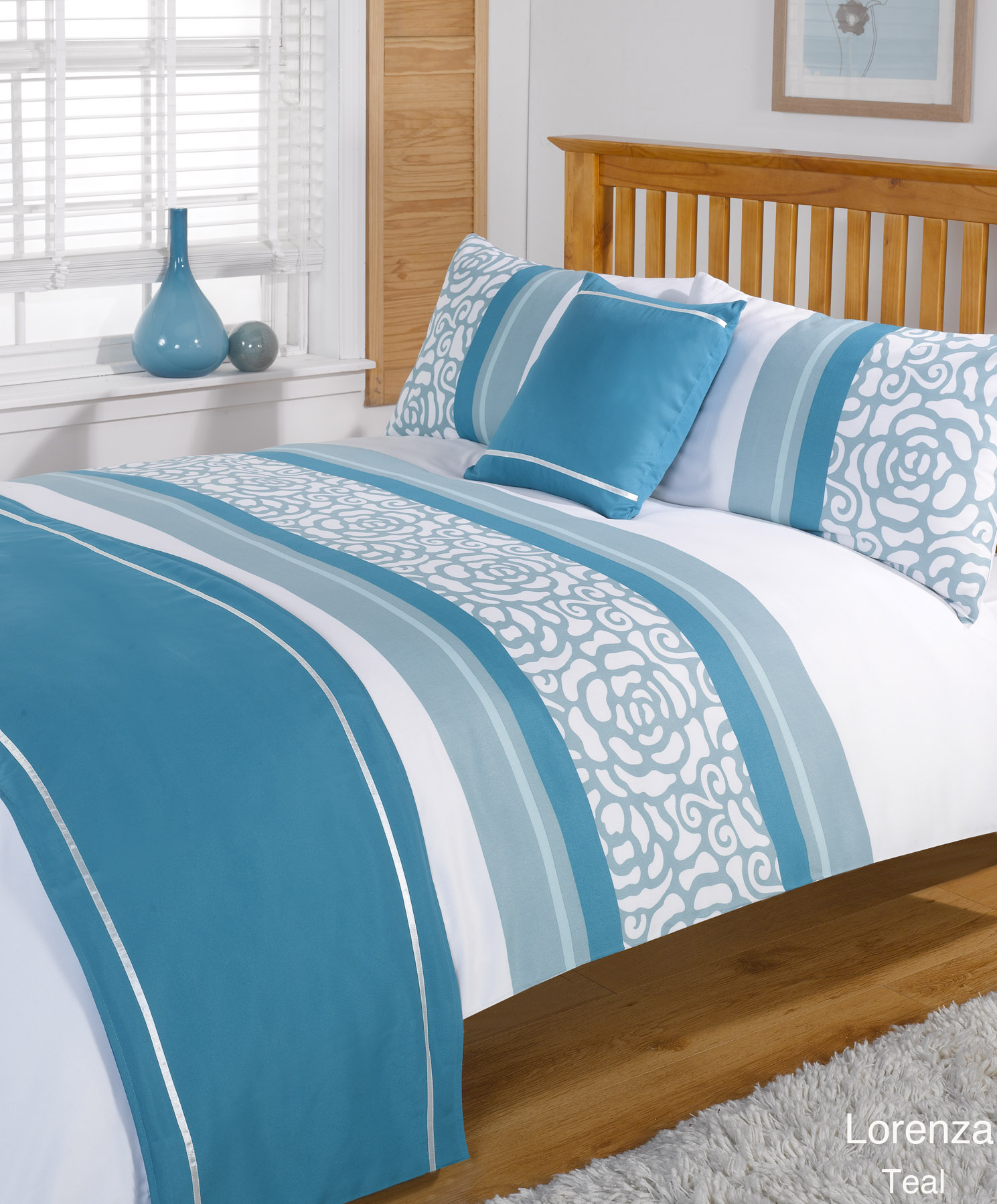 The Hillsdale Claudia Bed Set combines classic and contemporary elements for a beautiful, transitional look. The clean lines of its double arch silhouette are complemented by delicately curved finials all in a lovely, matte nickel finish.