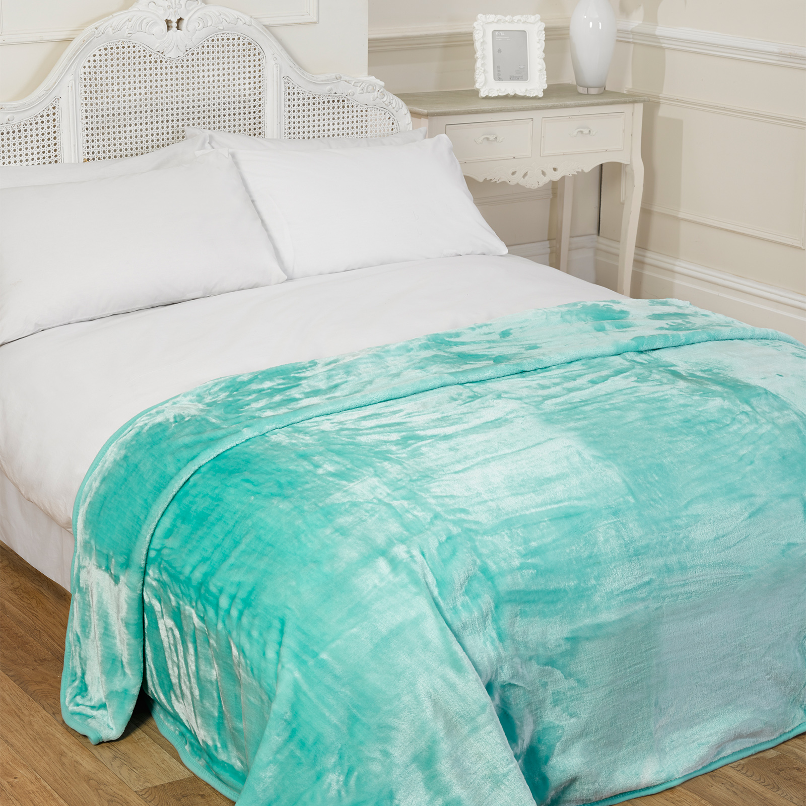 Luxury Faux Fur Aqua Mink Fleece Throw Over Sofa Bed Soft