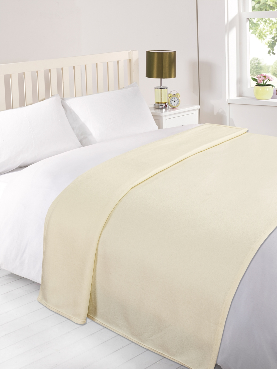 White Luxury Warm Soft Large 225cm x 254cm Fleece Sofa Couch Bed Blanket Throw