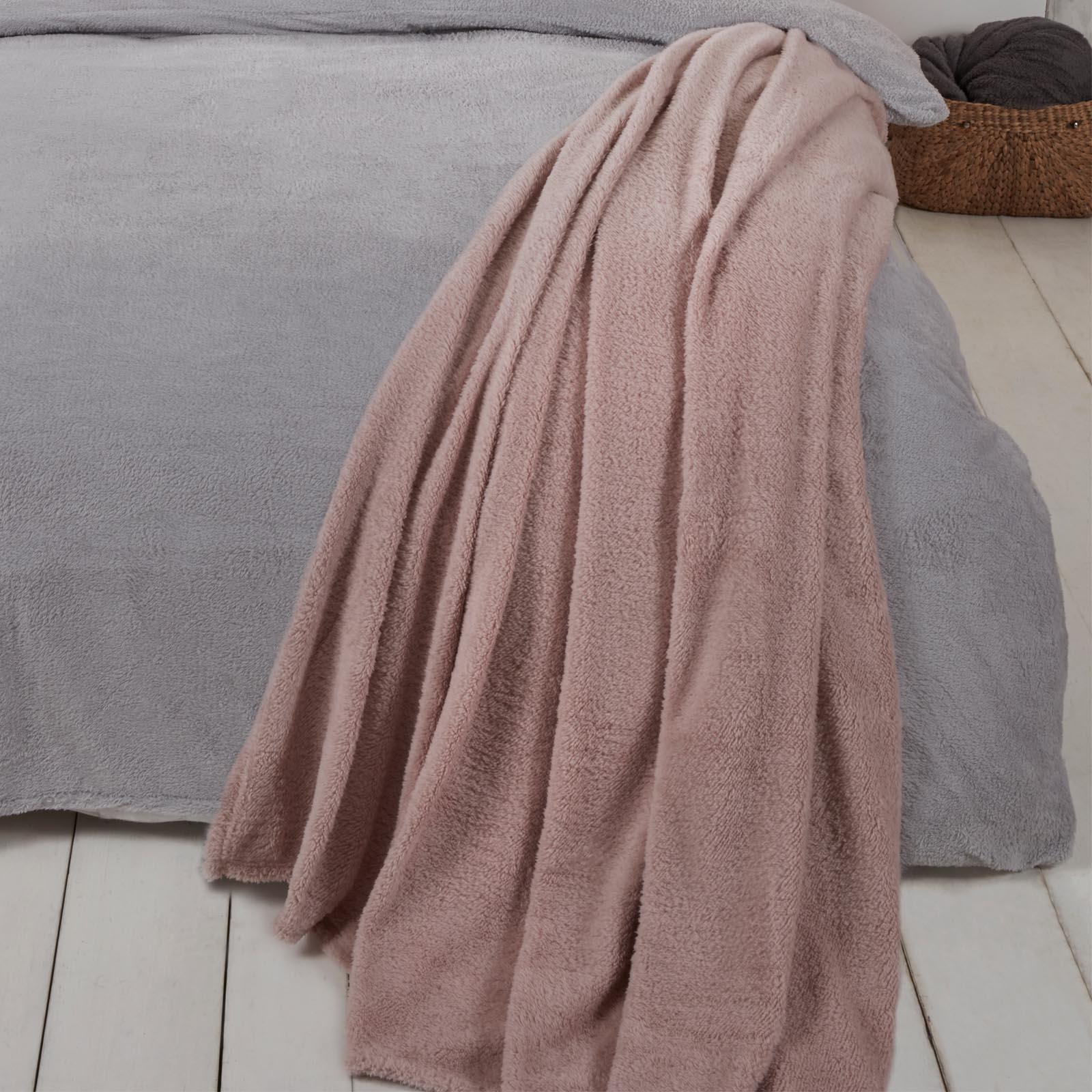 Brentfords-Teddy-Fleece-Bear-Blanket-Large-Throw-Over-Bed-Plush-Soft-Bedspread thumbnail 8