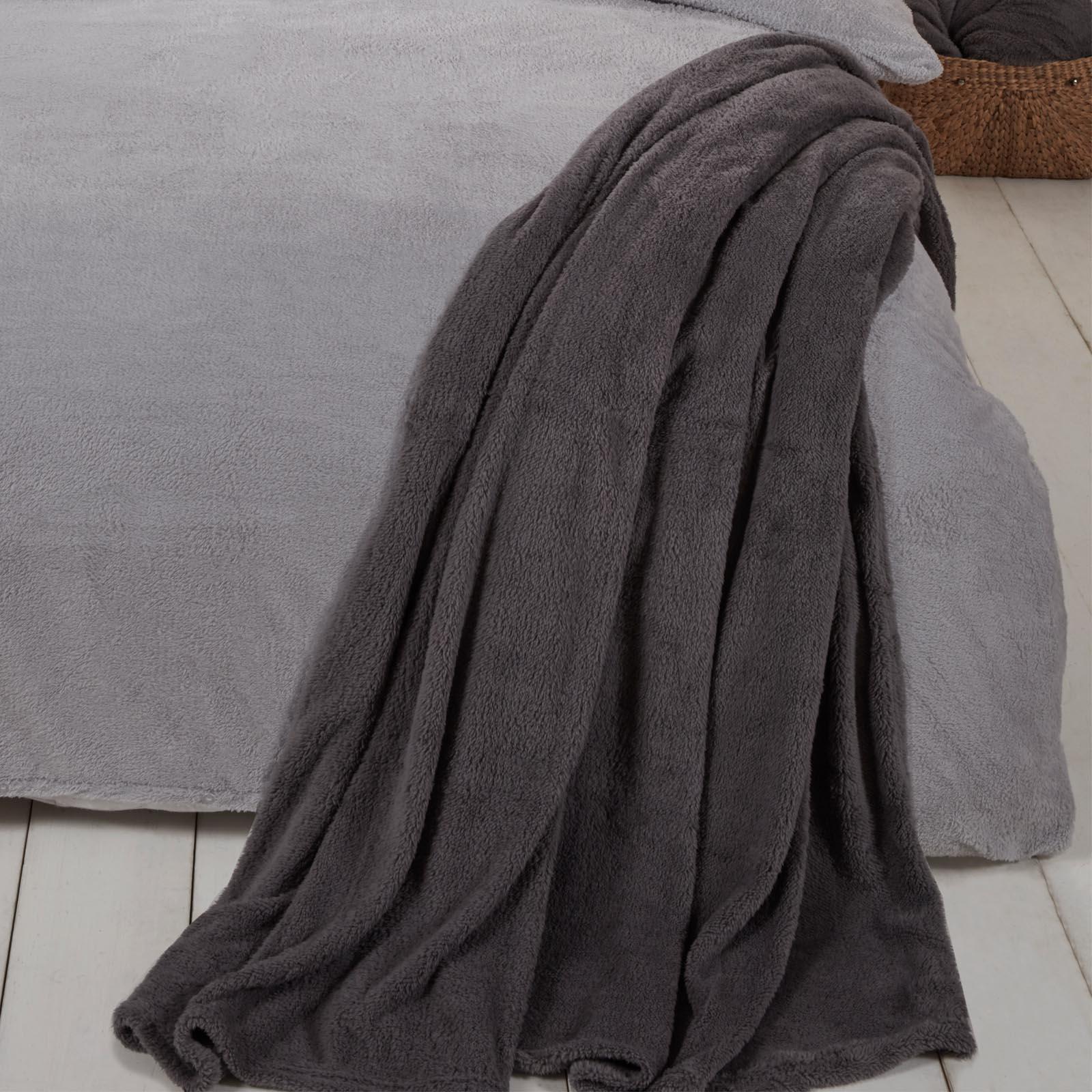 Brentfords-Teddy-Fleece-Bear-Blanket-Large-Throw-Over-Bed-Plush-Soft-Bedspread thumbnail 10