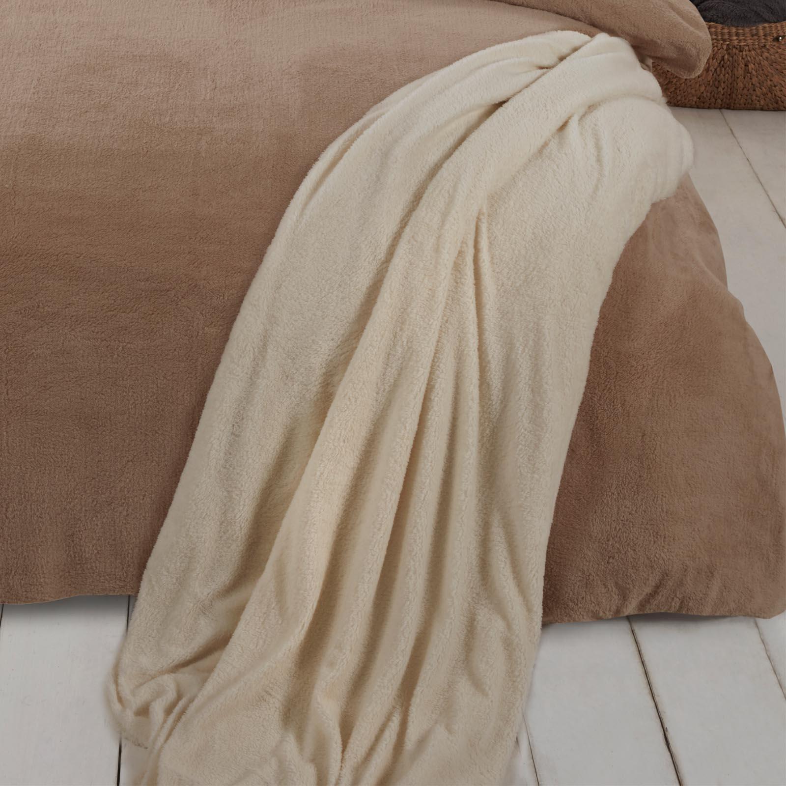 Brentfords-Teddy-Fleece-Bear-Blanket-Large-Throw-Over-Bed-Plush-Soft-Bedspread thumbnail 15