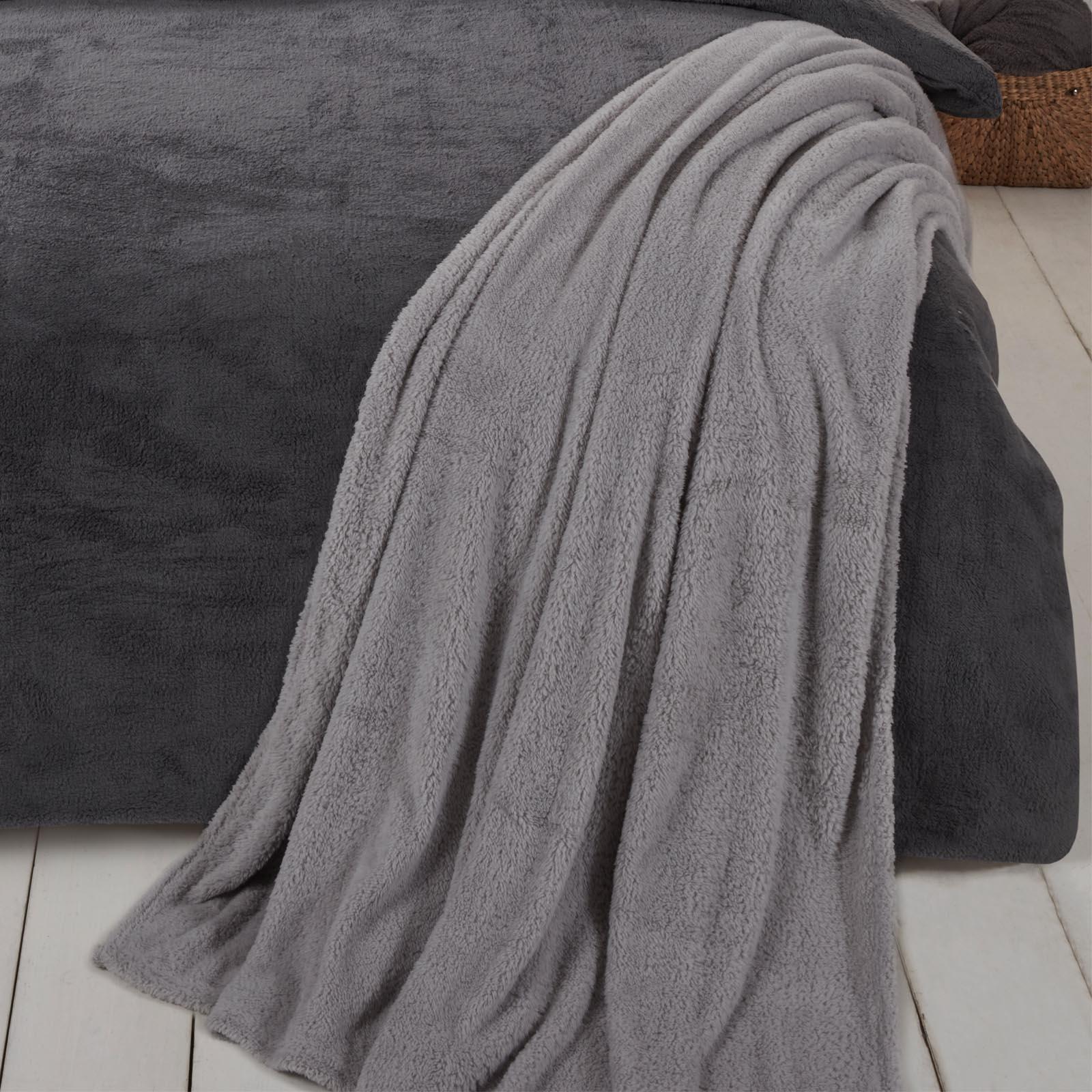 Brentfords-Teddy-Fleece-Bear-Blanket-Large-Throw-Over-Bed-Plush-Soft-Bedspread thumbnail 20