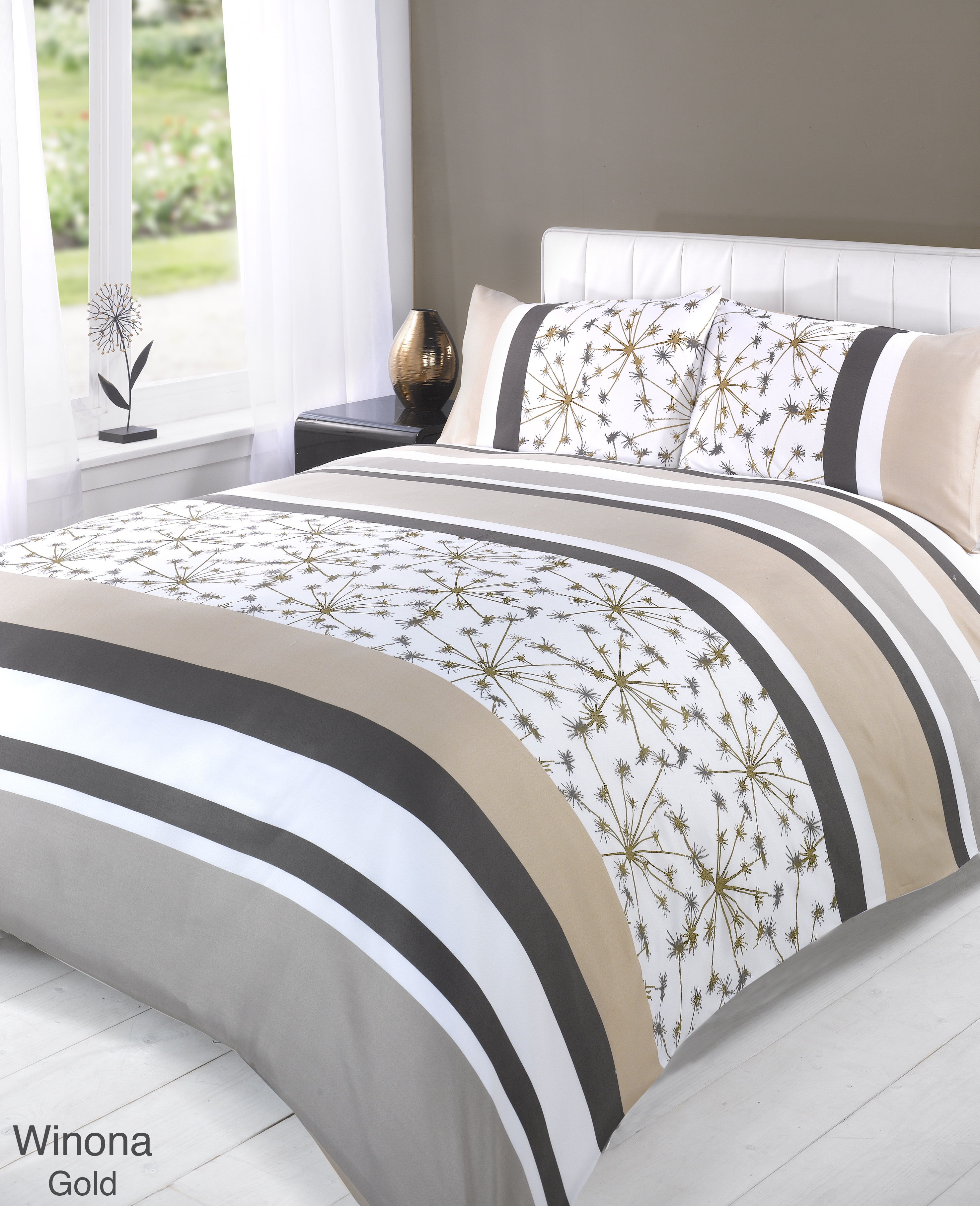 Choose from Single, Double, Queen, King and Super King quilt covers and quilt cover sets in the most beautiful and stylish designs. So, give your bedroom a new lease of life by choosing a quality quilt cover from My Linen.
