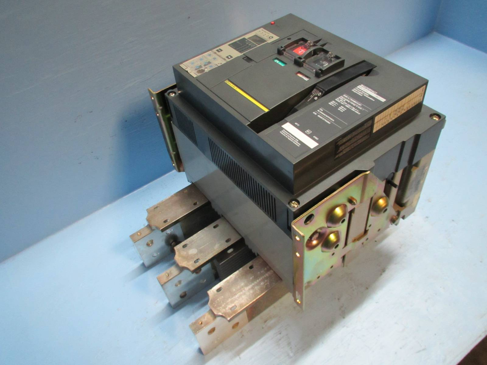 Used Circuit Breakers Fuji Buesb2015 15 Amp 2 Pole Breaker Square D Nw 30 H 3000a Masterpact W 3000 Trip 600v Nw30h Lsi Em1030 1 River City Industrial