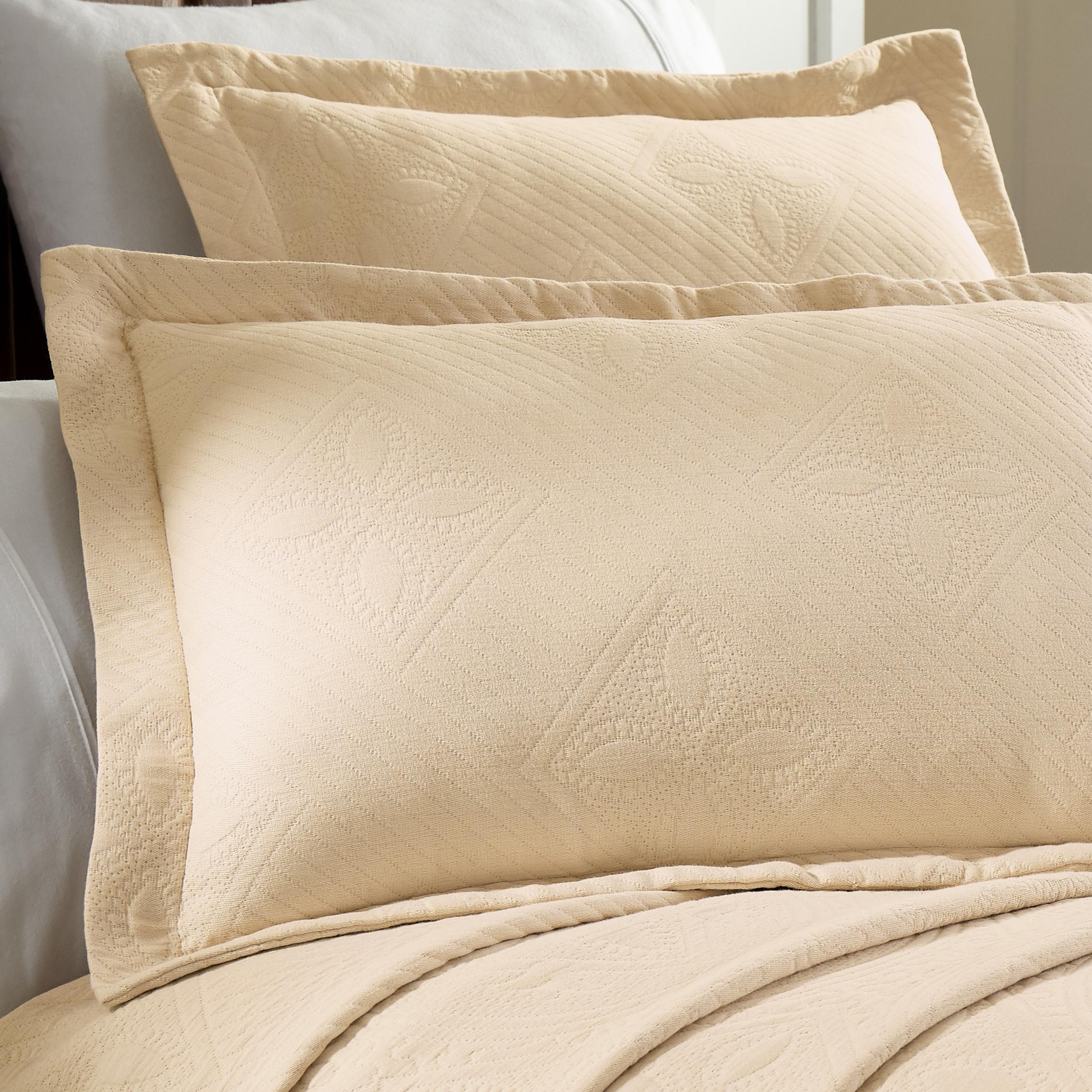 Celtic-Circle-Cotton-Jacquard-Matelasse-Scalloped-Bedspread-Set thumbnail 18