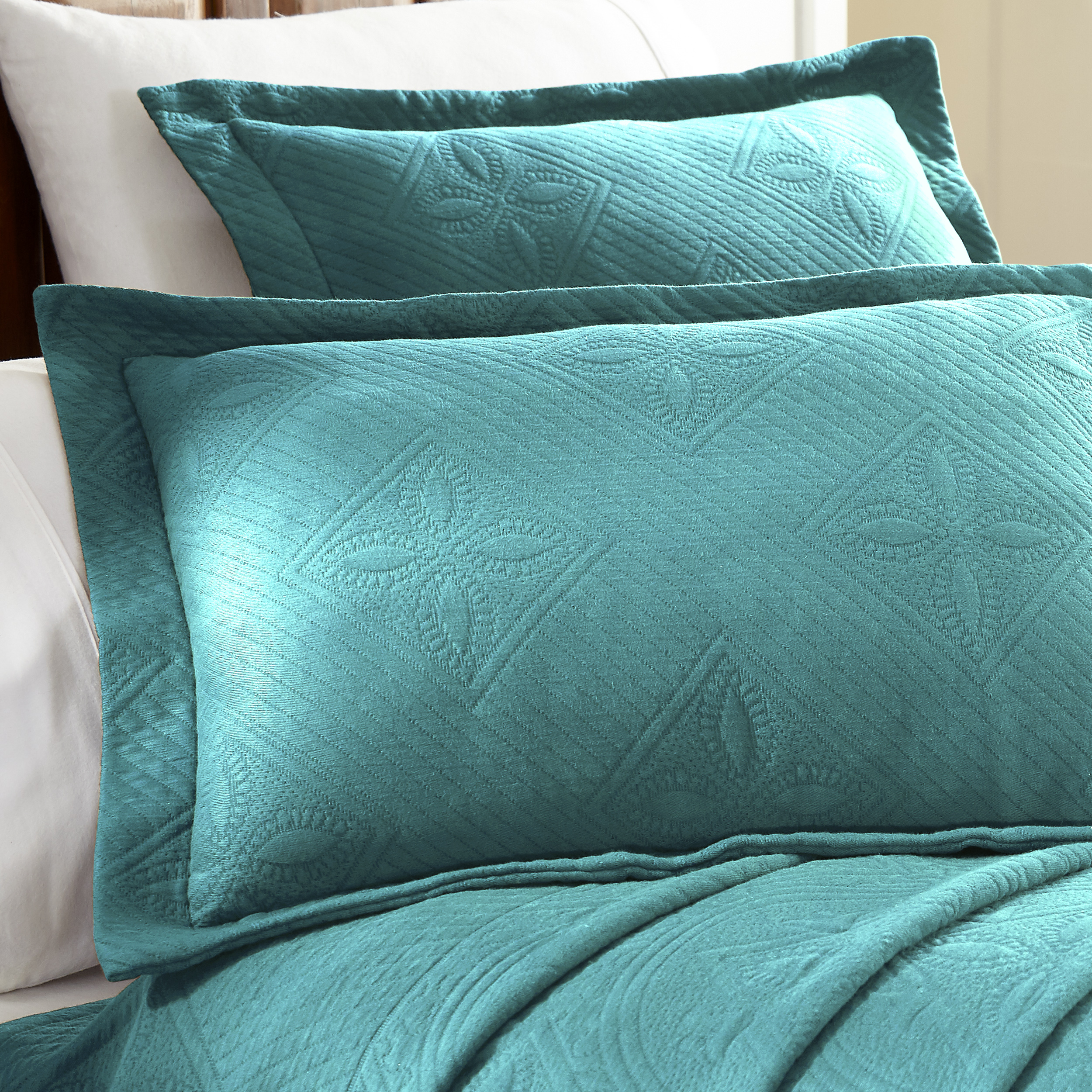 Celtic-Circle-Cotton-Jacquard-Matelasse-Scalloped-Bedspread-Set thumbnail 21