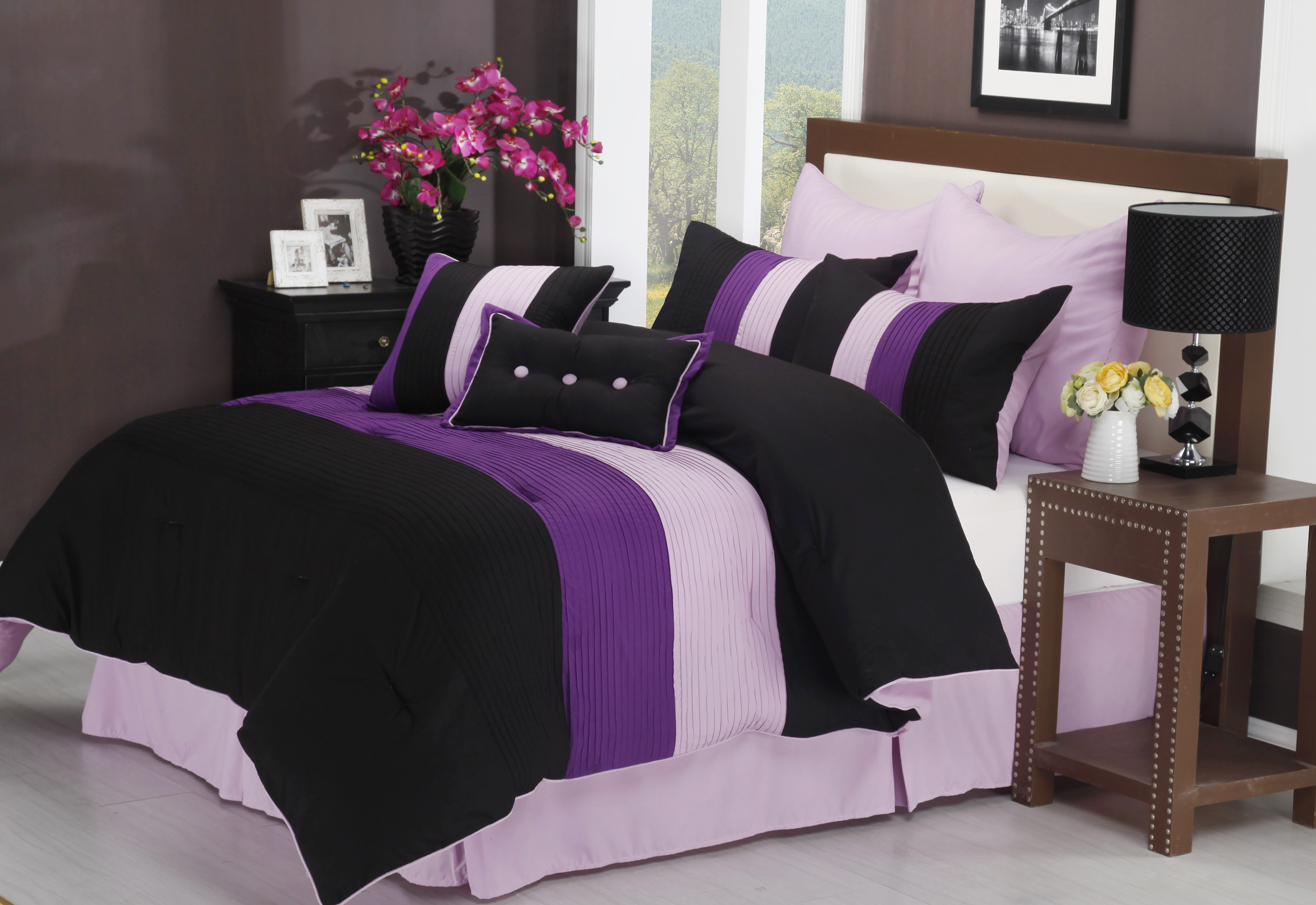 Florence 8 Piece forter Set With Matching Shams and Bed Skirt 4