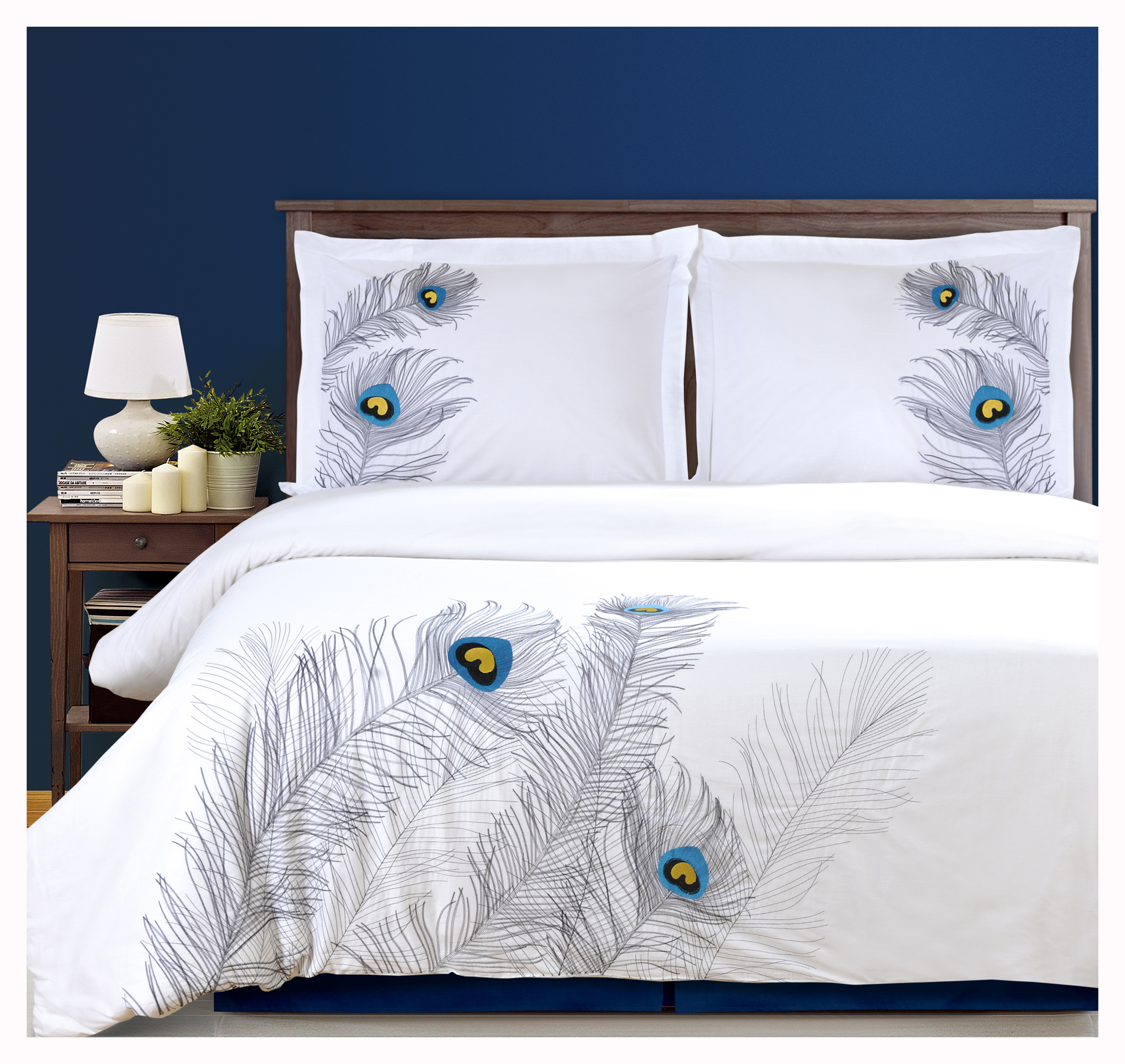 Peacock bedroom set - Duvet Cover Set With Pillow Shams Embroidered Feather Peacock Design