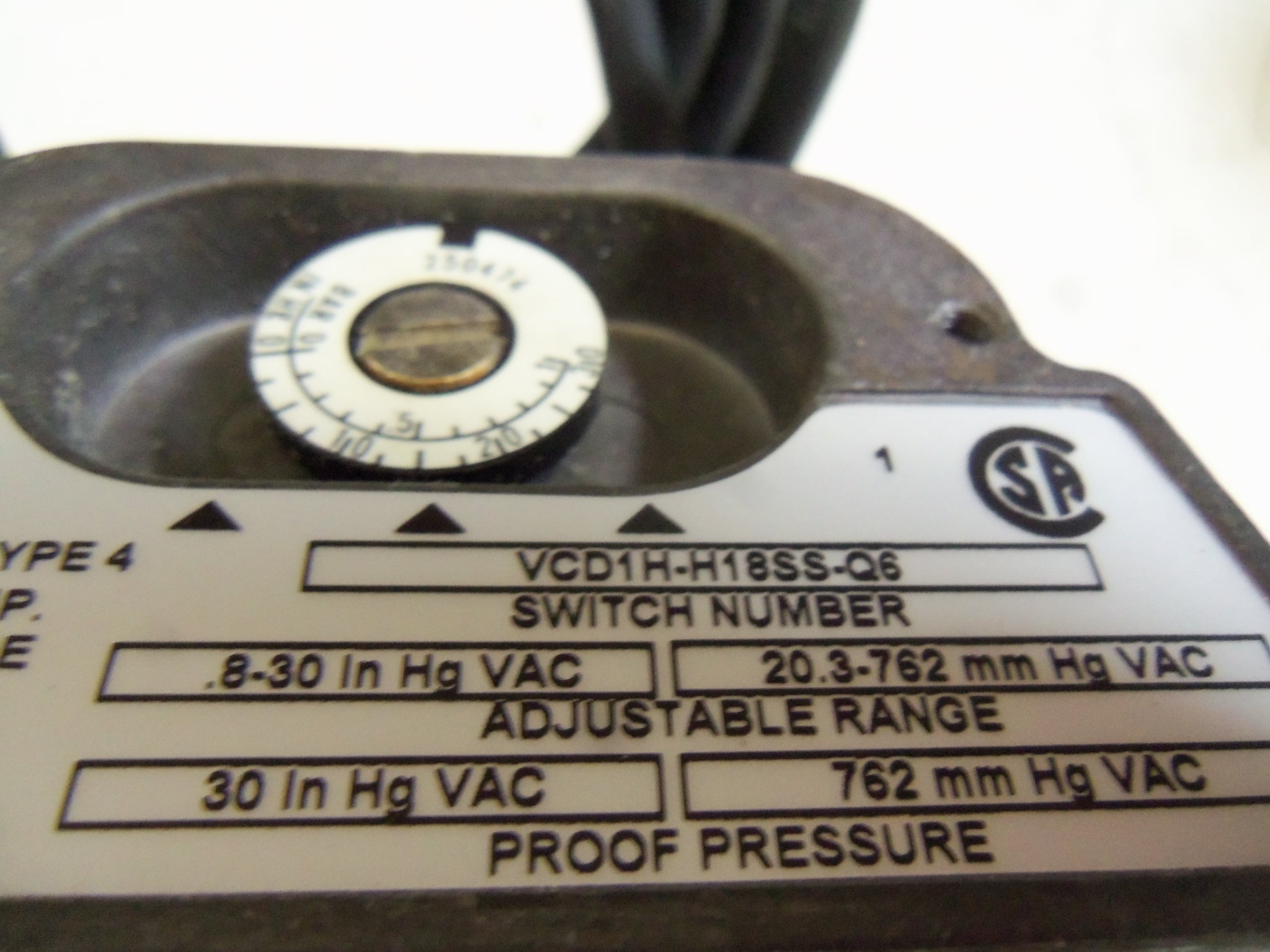 Barksdale Vcd1h H18ss Q6 Pressure Or Vacuum Actuated Switch Used Diaphragm